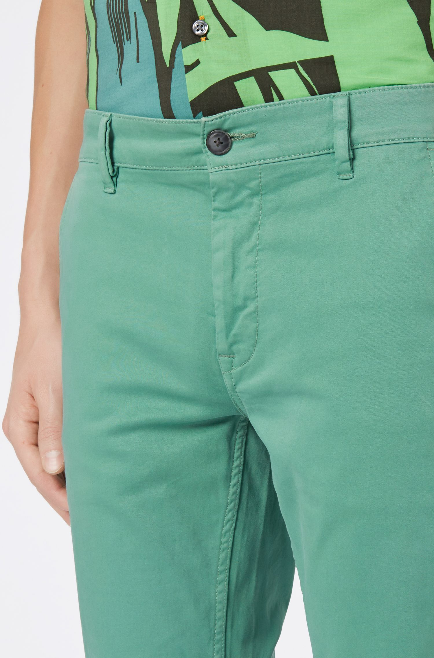 Slim-fit casual chinos in brushed stretch cotton, Open Green