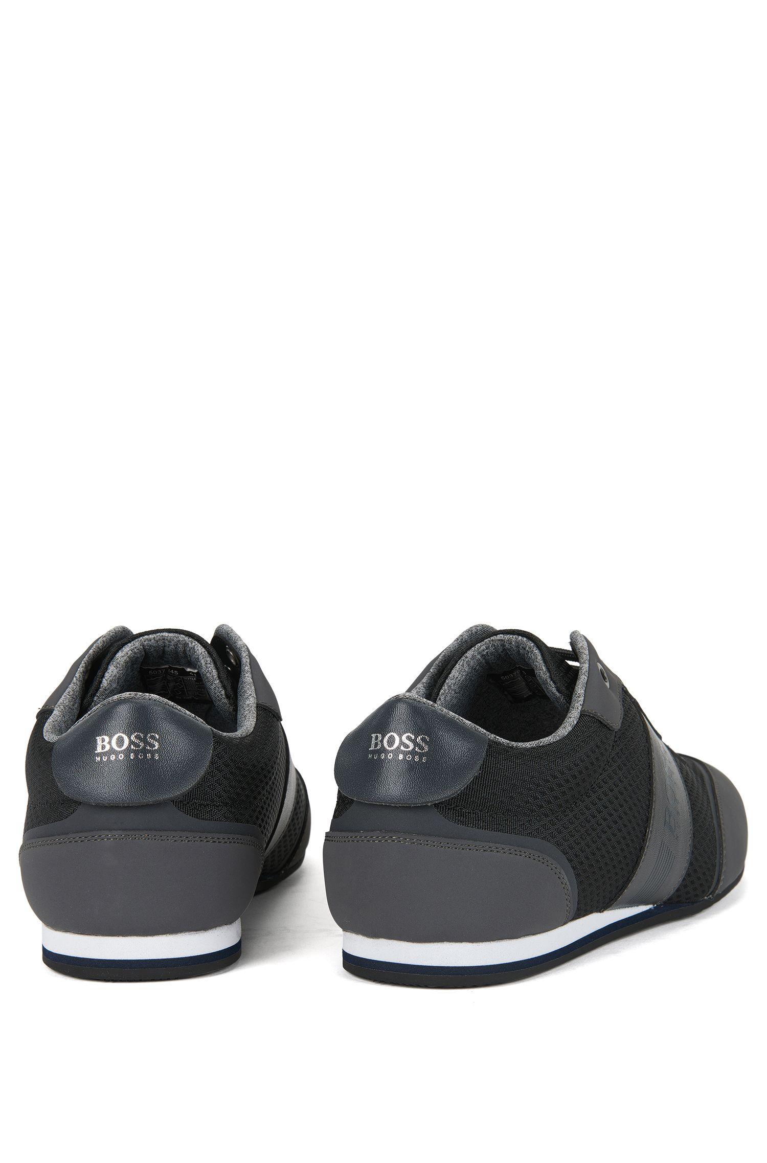 Sneakers aus Nylon mit Kunstleder-Detail an den Flügelkappen