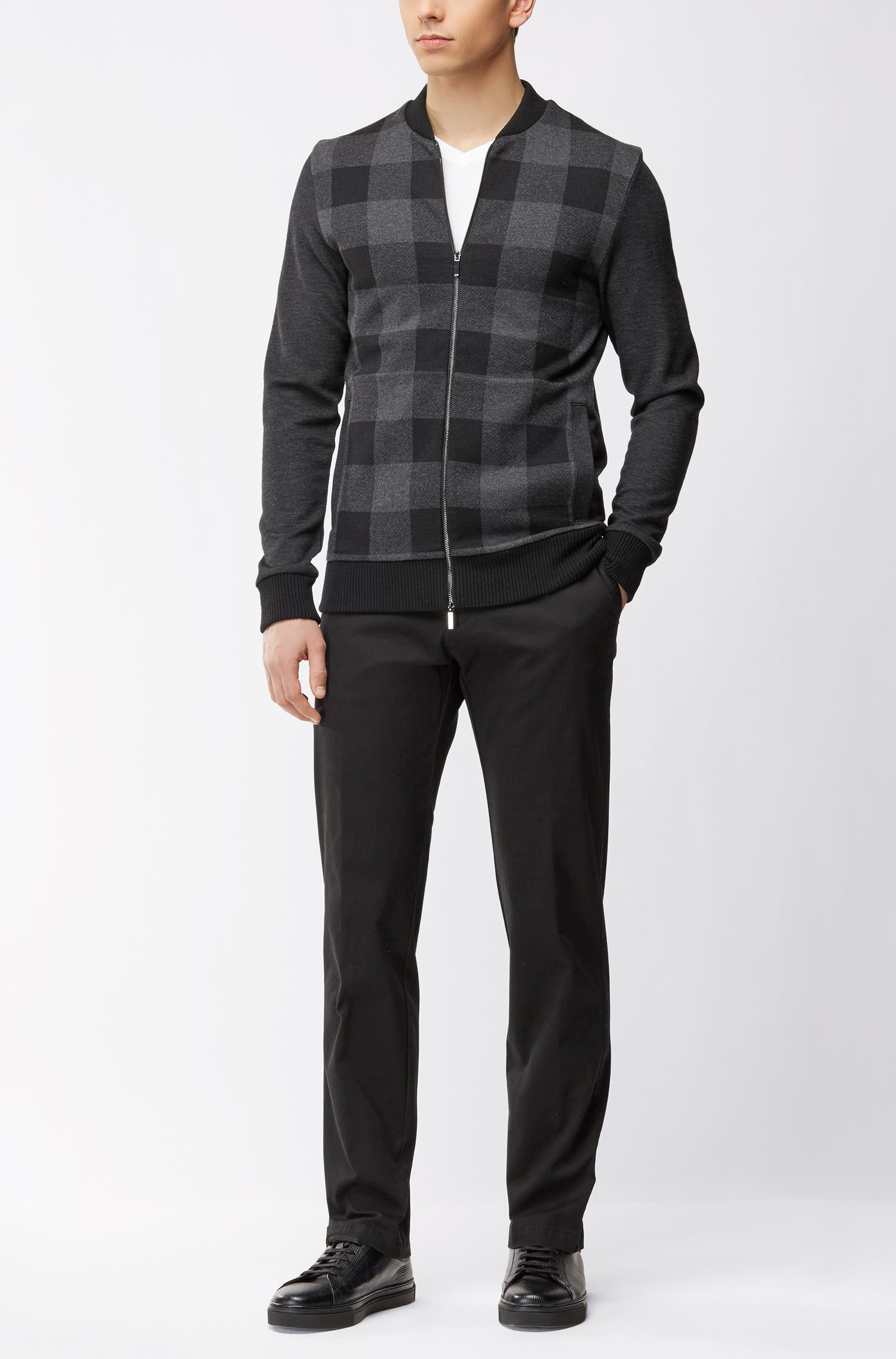 Regular-fit chinos in stretch cotton