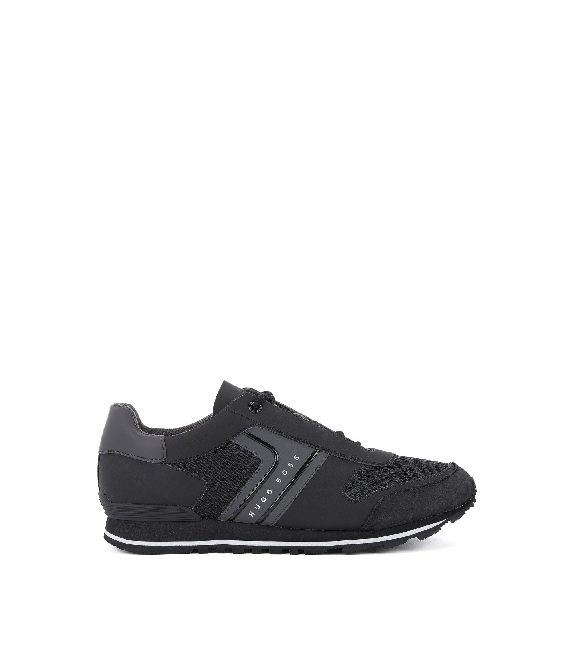 Retro-inspired trainers in mesh with nubuck details, Black