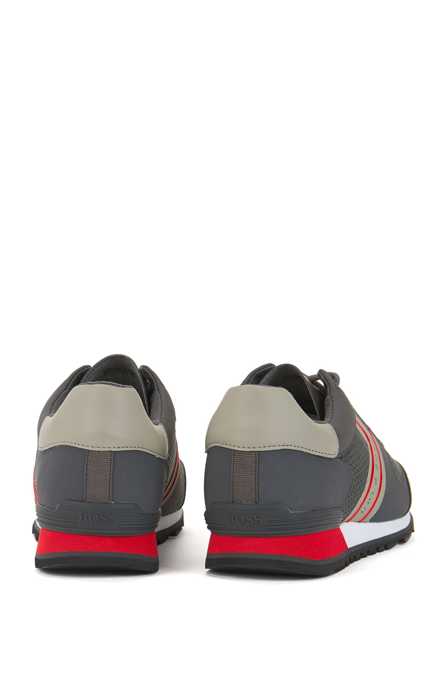 Sneakers di ispirazione rétro in rete con dettagli in nabuk