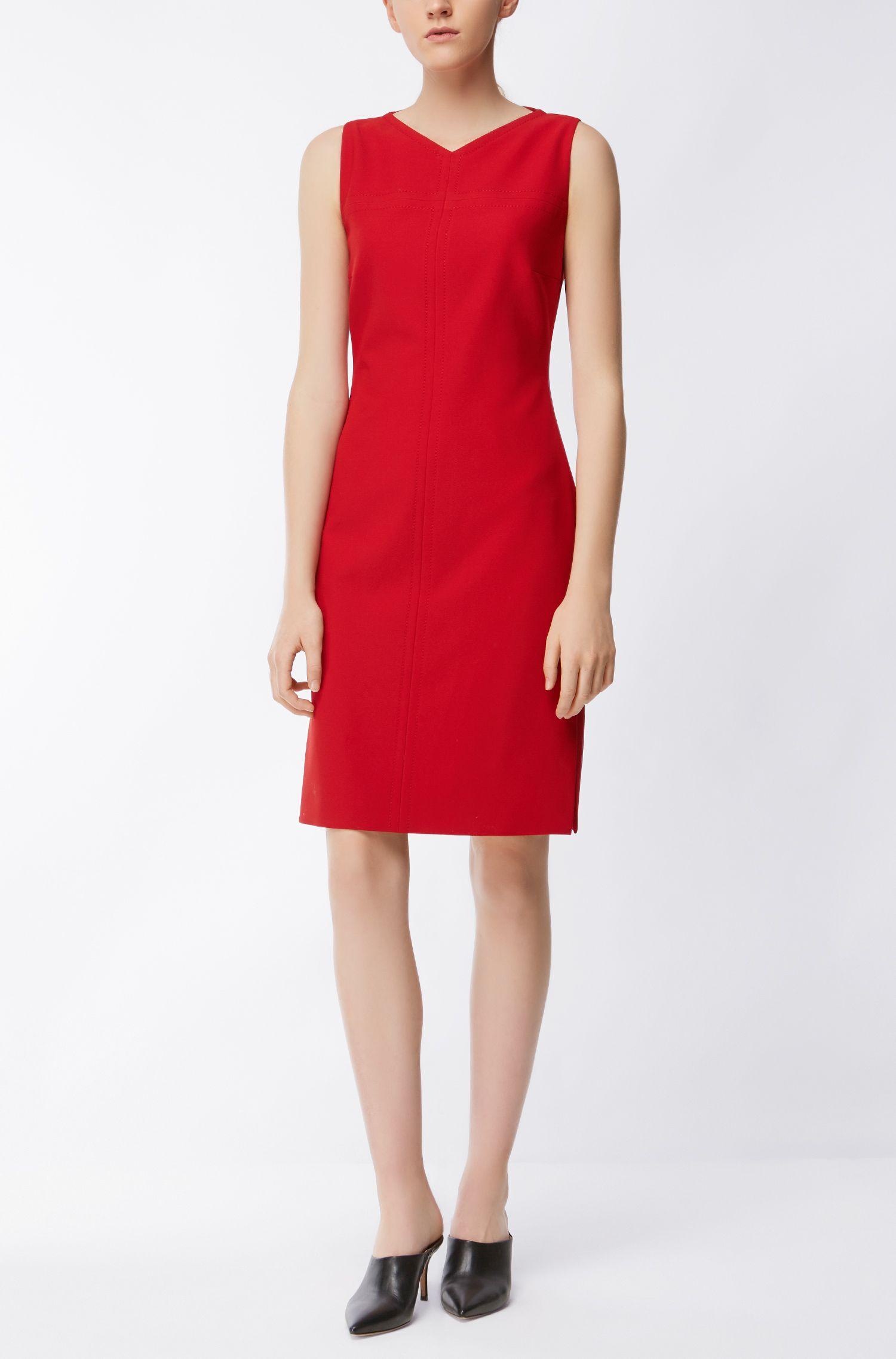 Sleeveless dress with V neckline