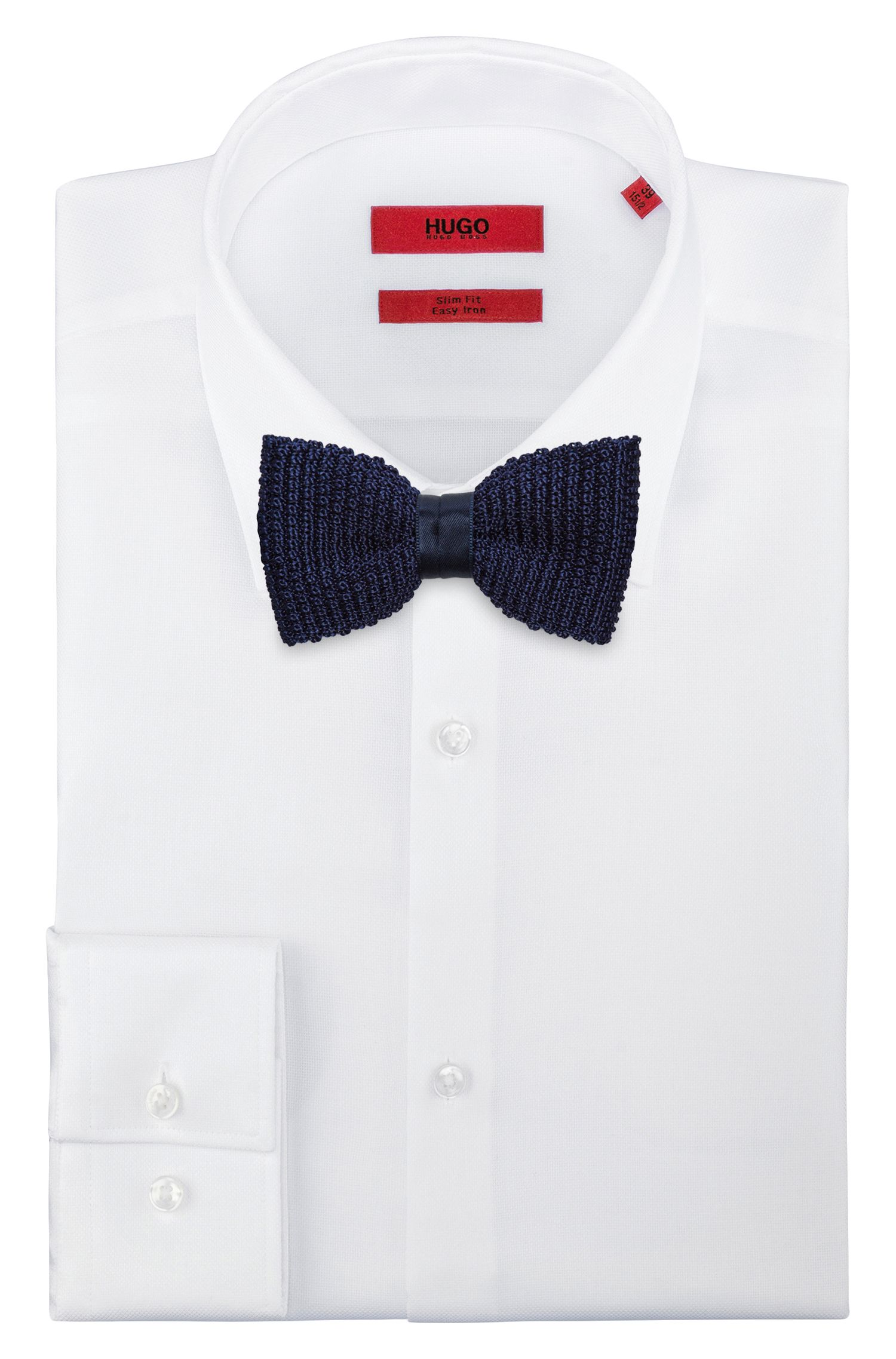 Knitted bow tie with tonal band