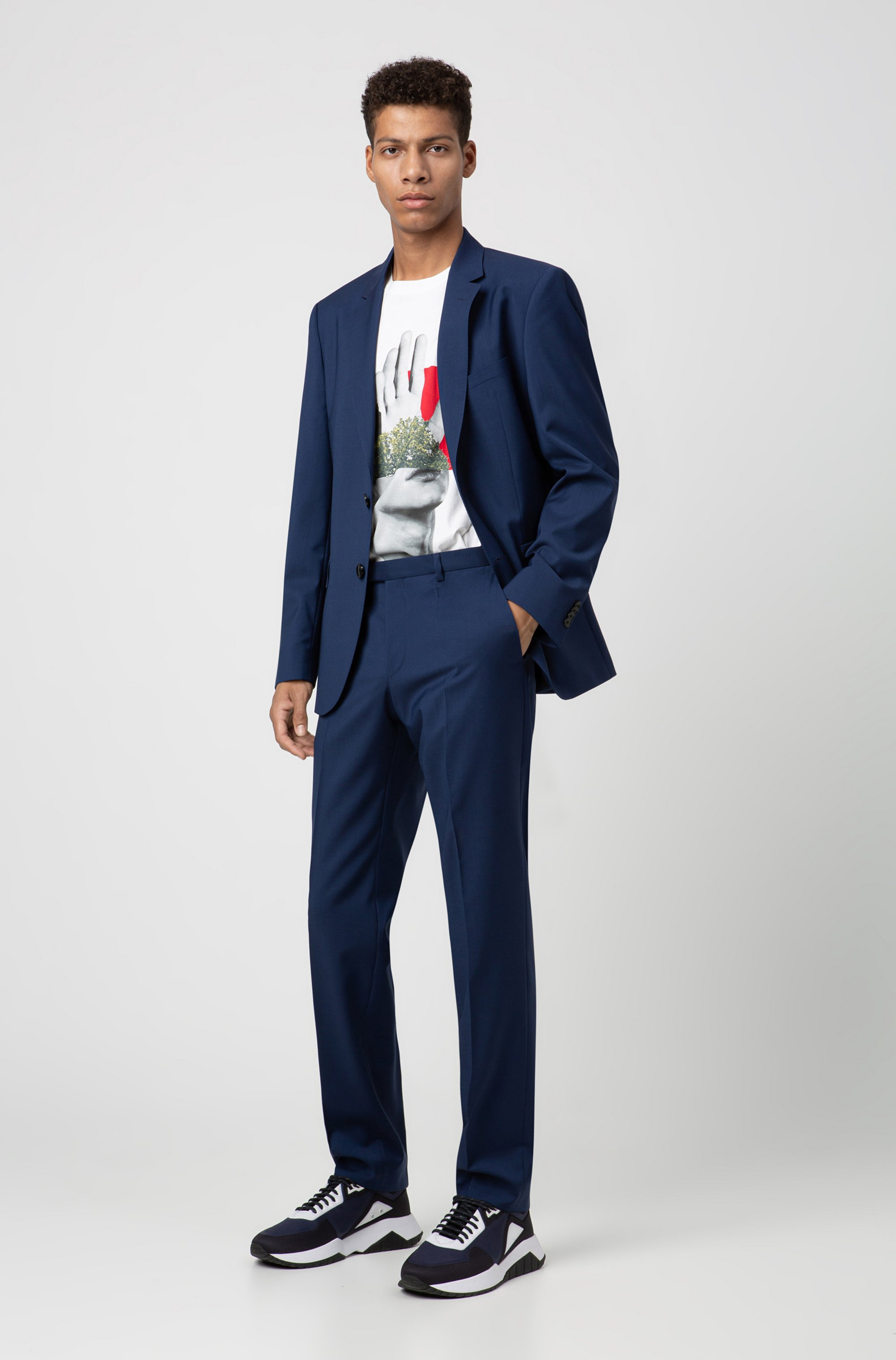 Regular-fit trousers in virgin wool with natural stretch