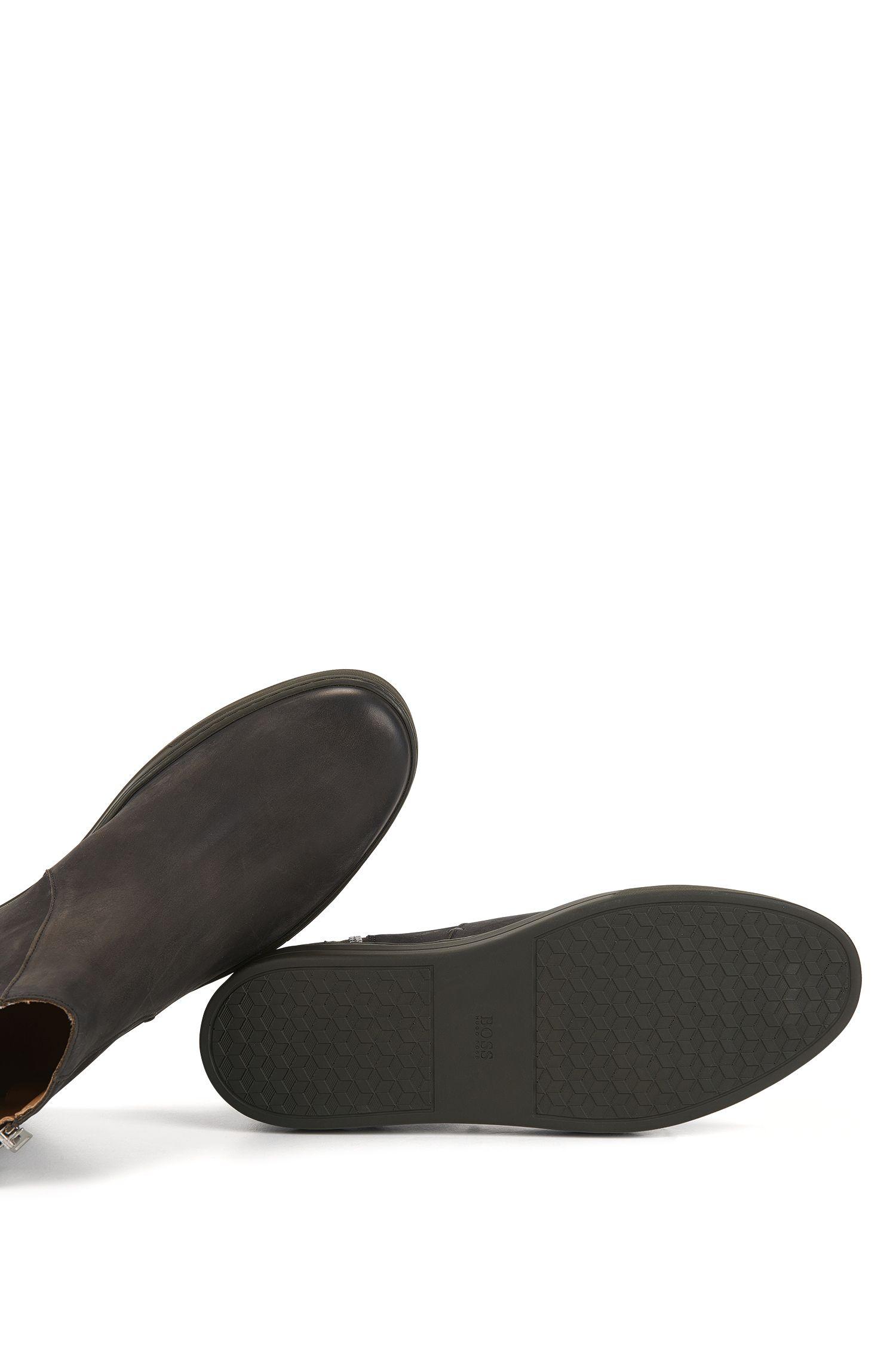 Boots en nubuck doux à zips latéraux