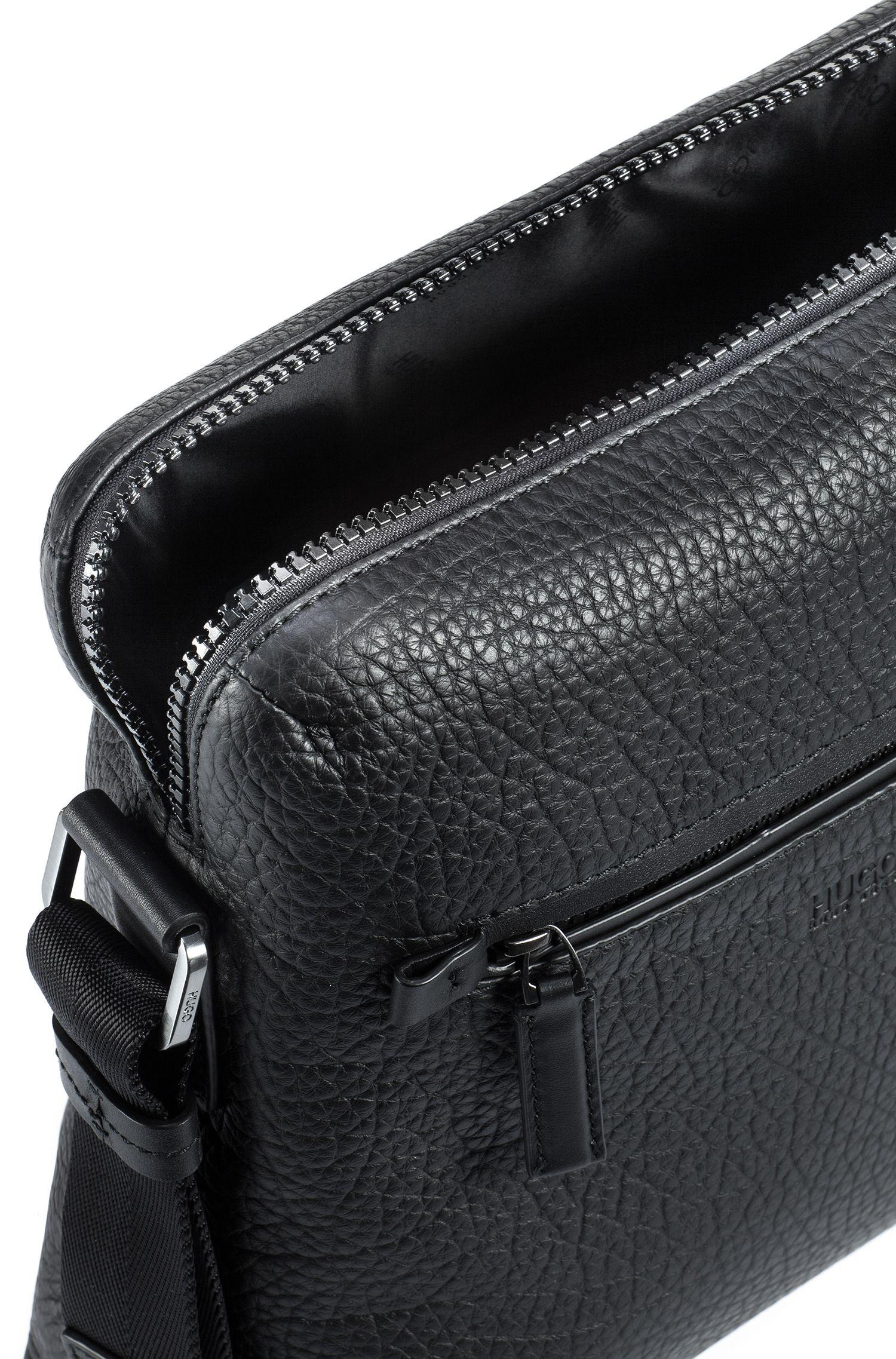 Reporter-Tasche aus genarbtem italienischem Leder