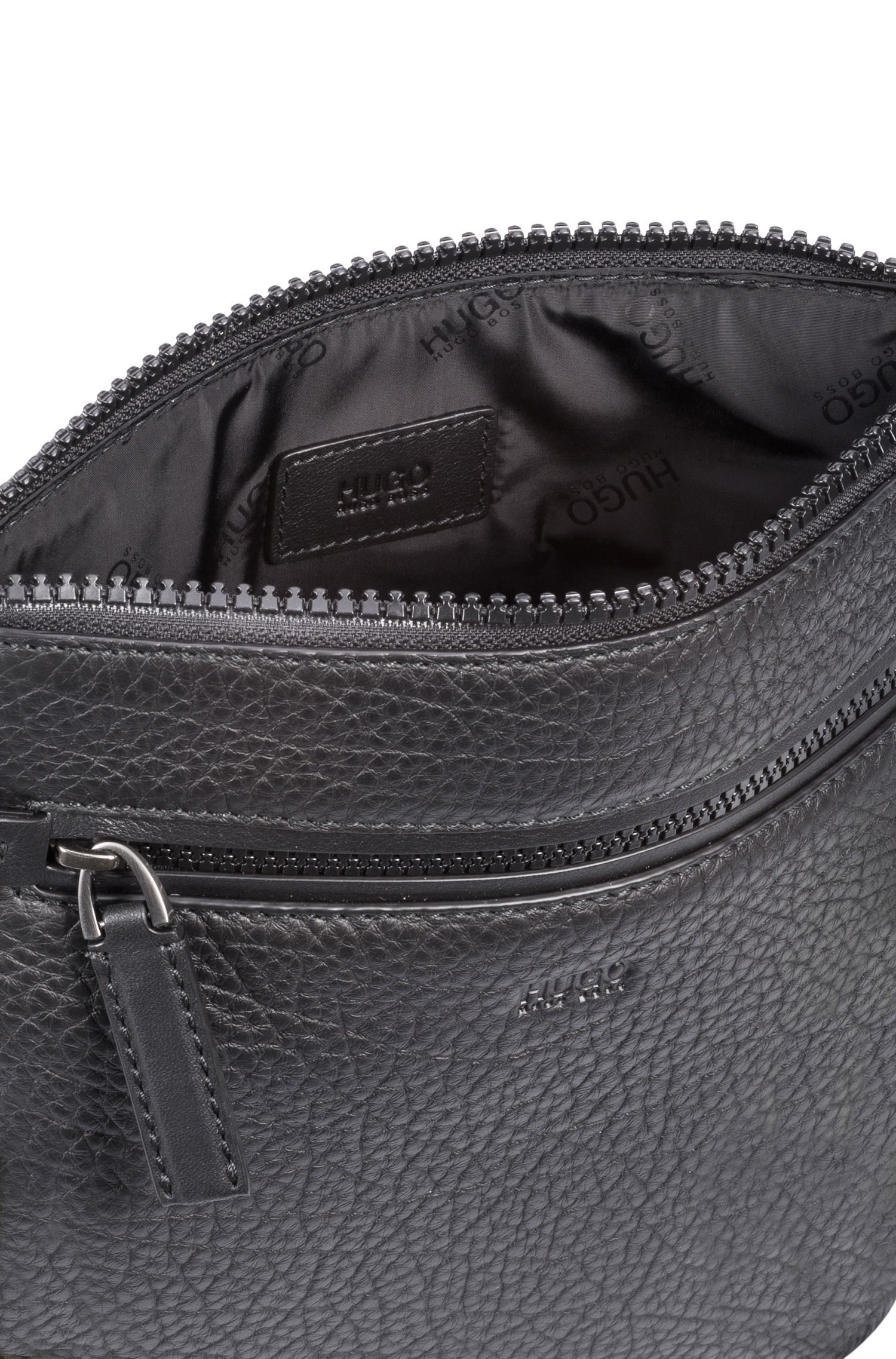 Zipped envelope bag in buffalo-embossed Italian leather