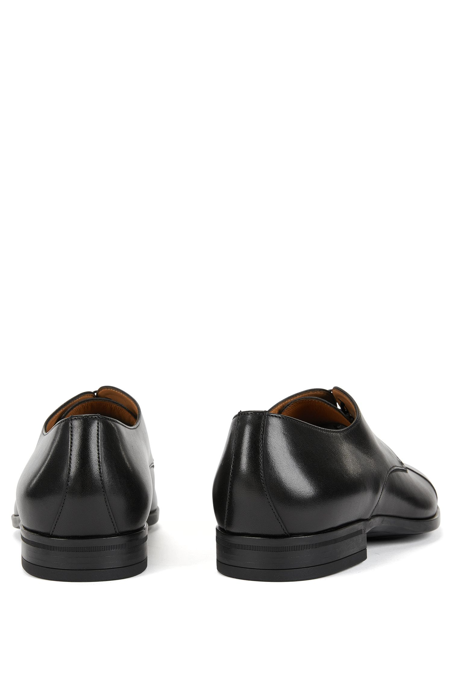 Derby shoes in vegetable-tanned leather