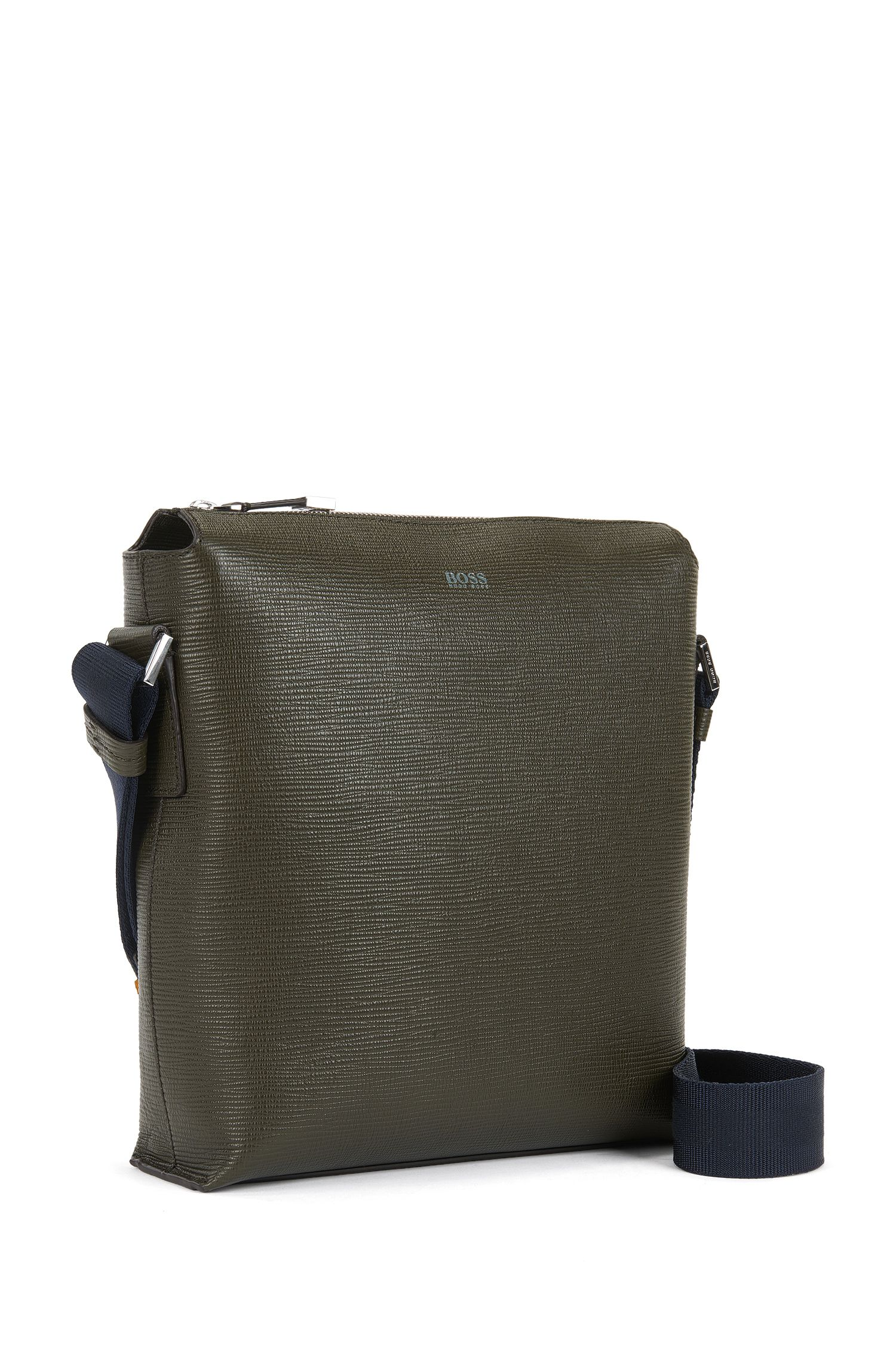 Reporter bag in straw-printed Italian leather
