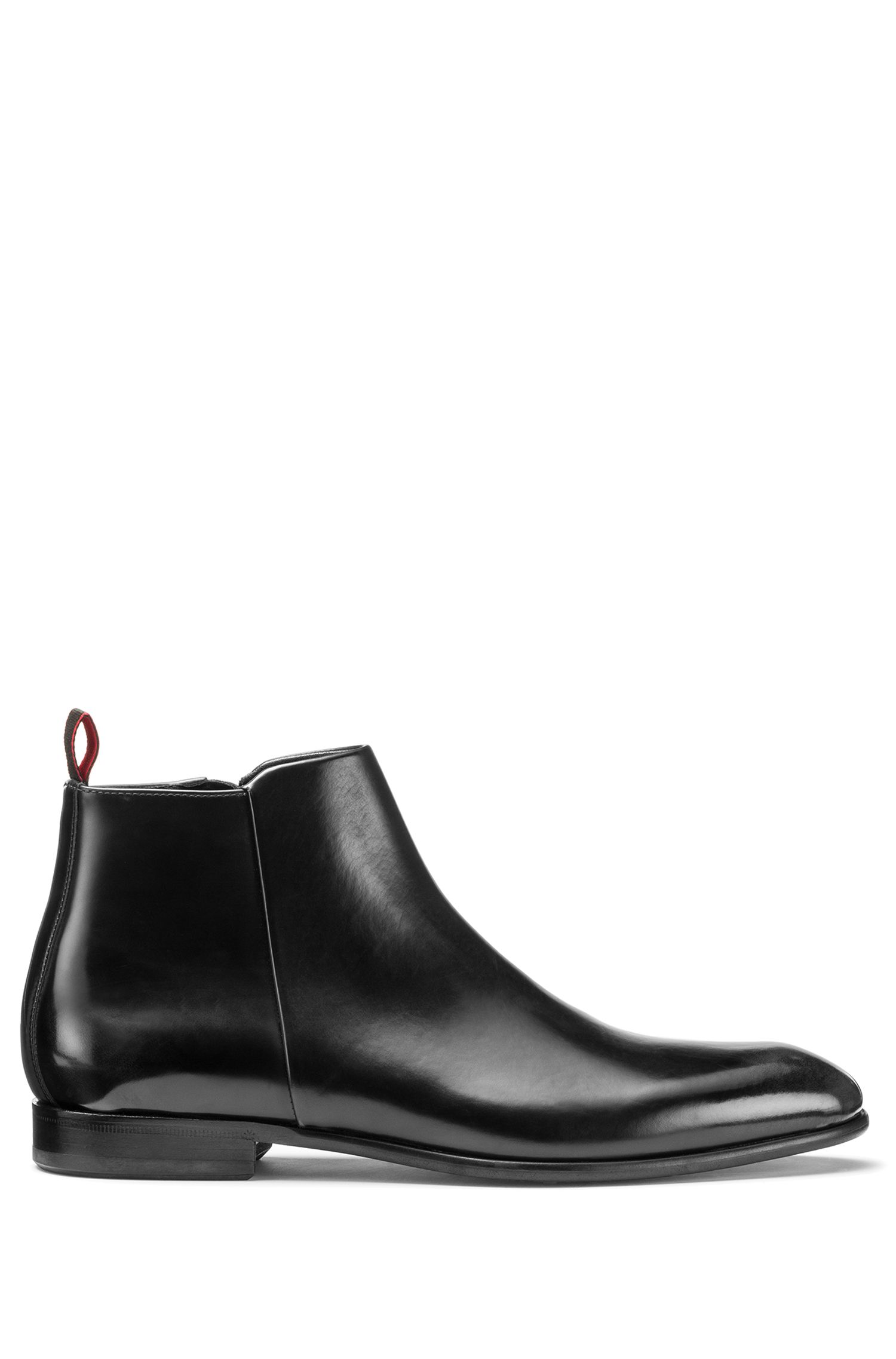 Brush-off leather boots with side zip