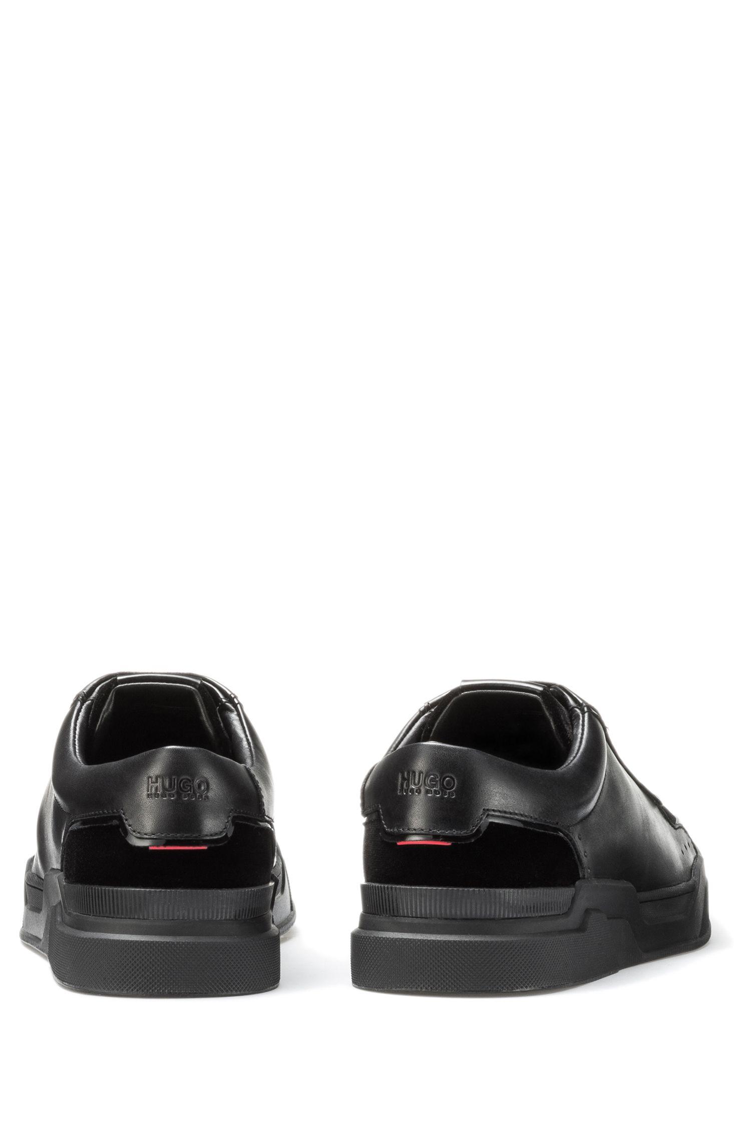 Sneakers aus Samt und Nappaleder mit Schnürung