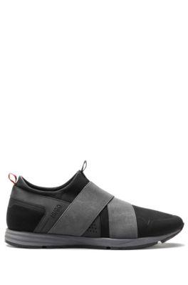 Sneakers aus Material-Mix mit Riemen, Schwarz
