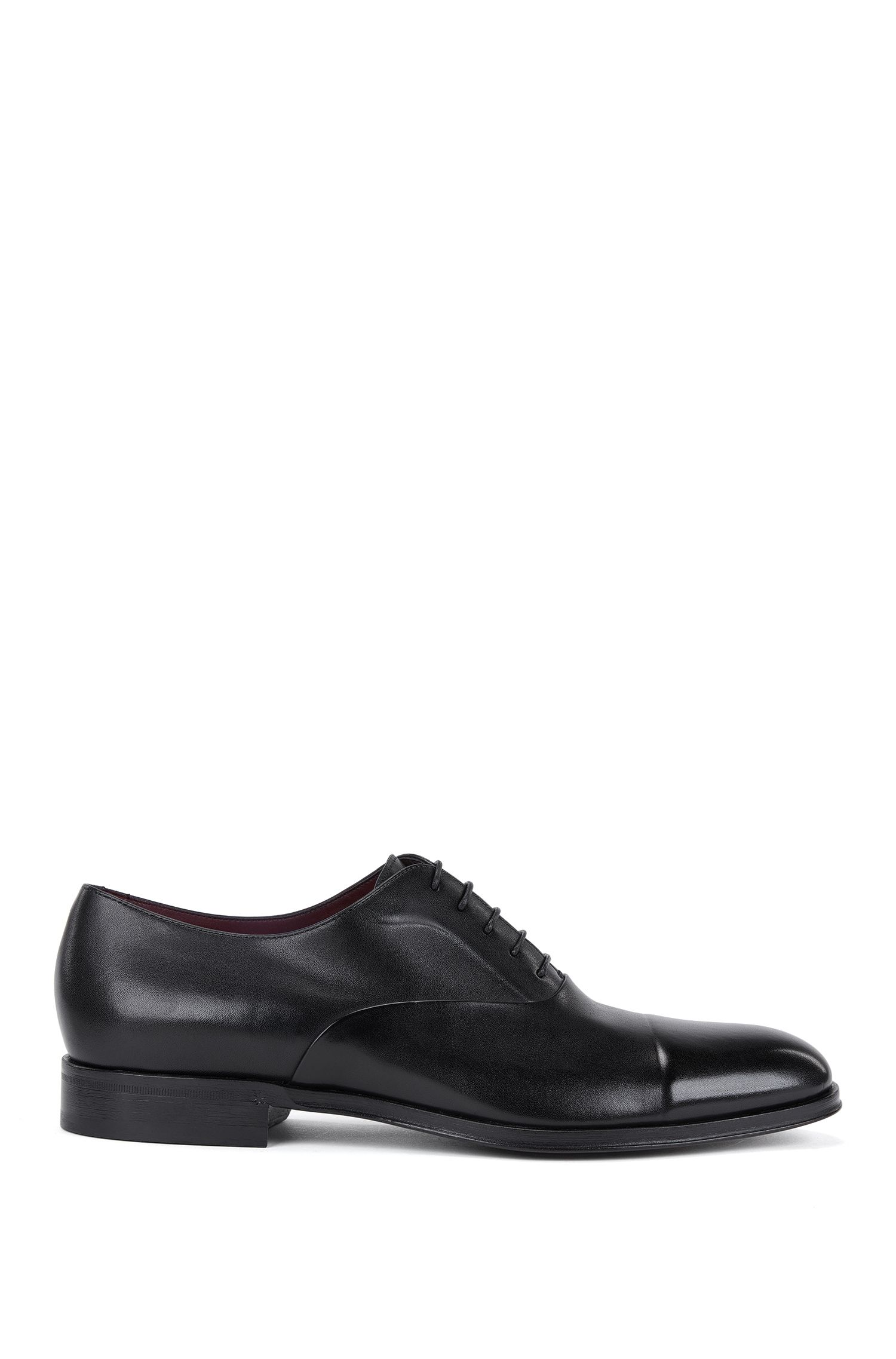 Oxford shoes in burnished calfskin