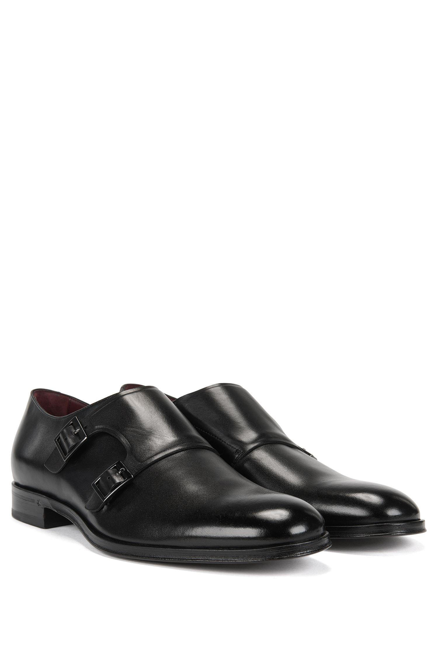 Chaussures double boucle en cuir grainé
