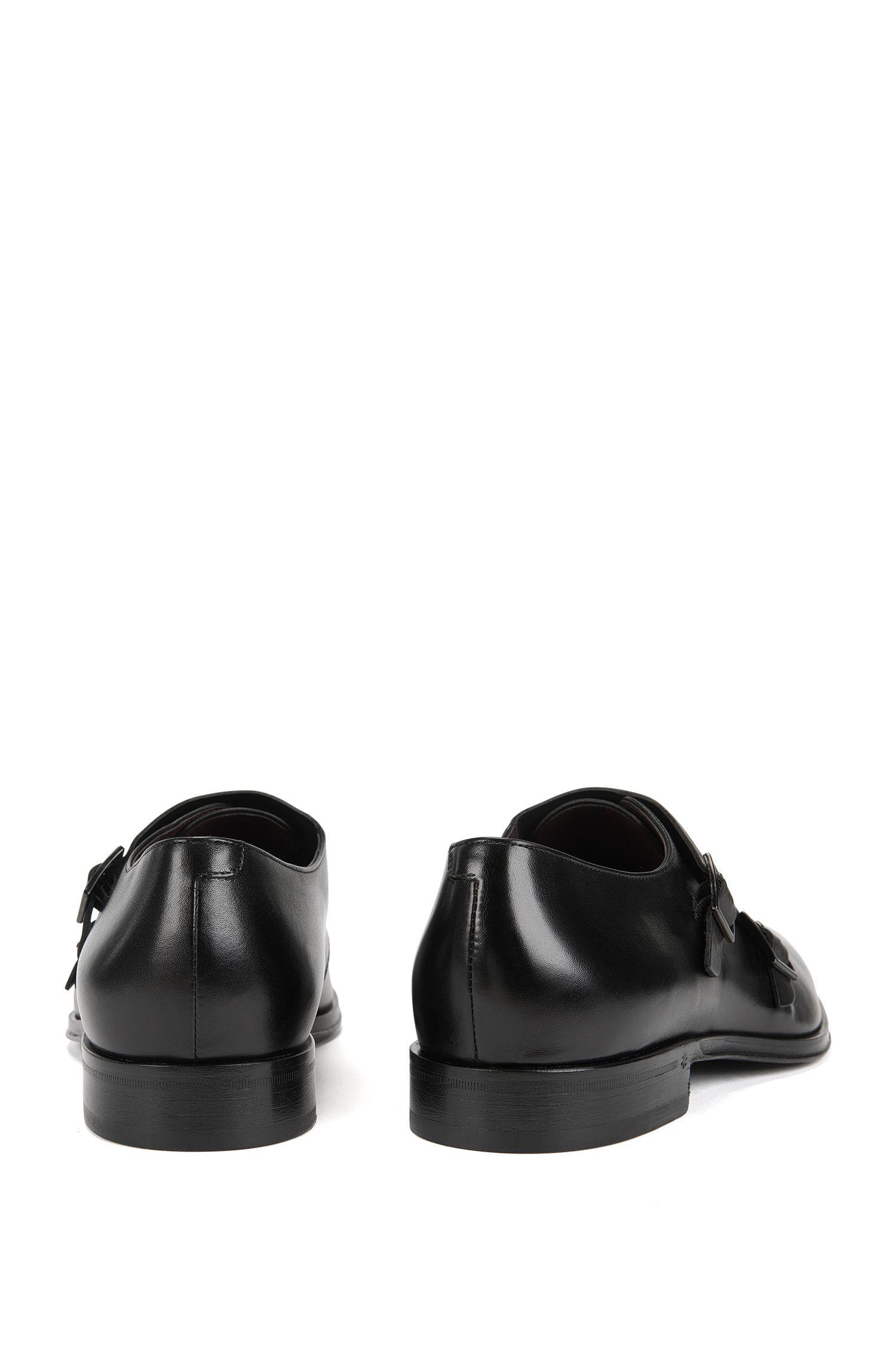 Schoenen van Italiaans generfd rundleer met dubbele gesp