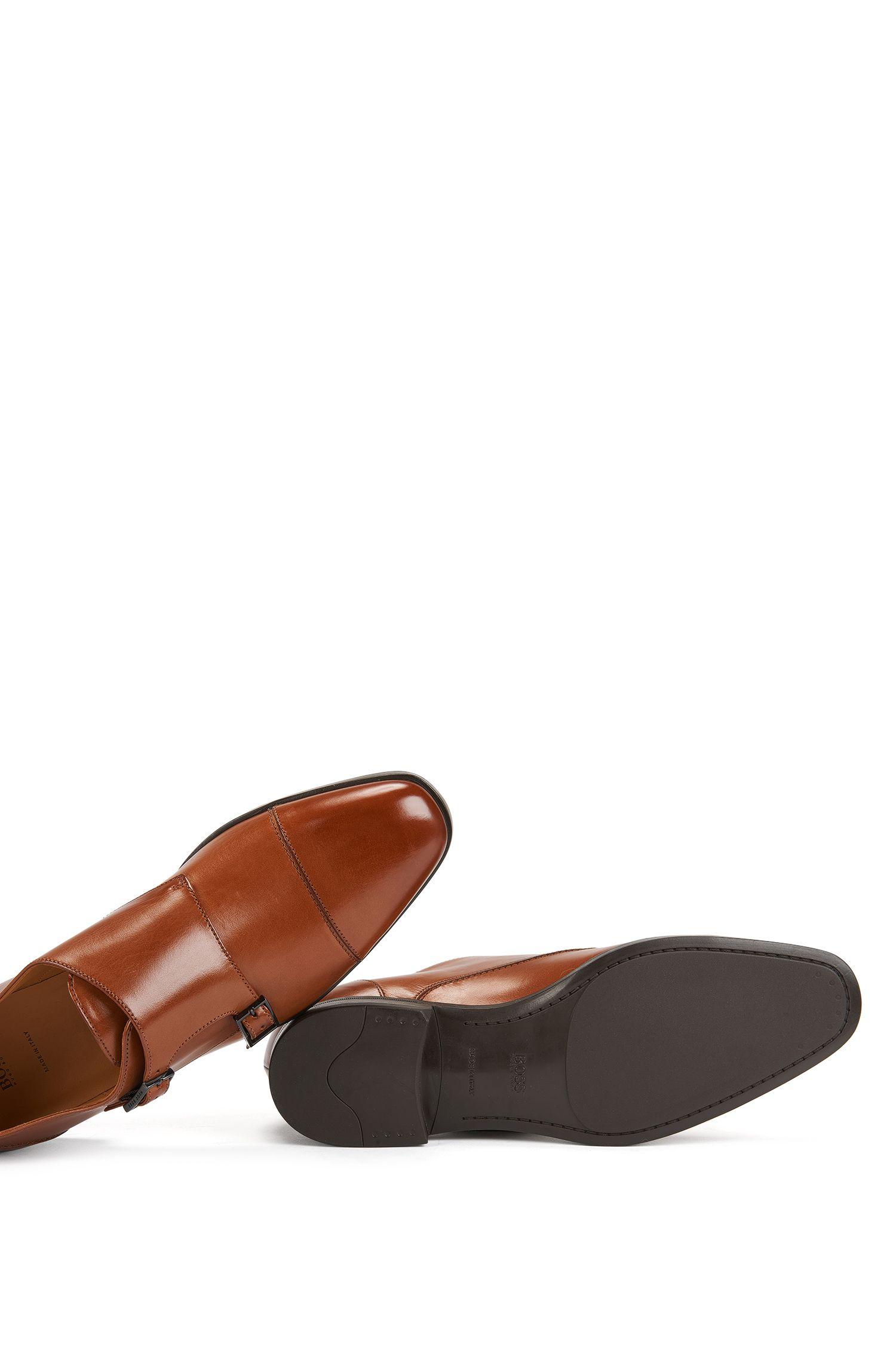 Chaussures double boucle en cuir au tannage végétal