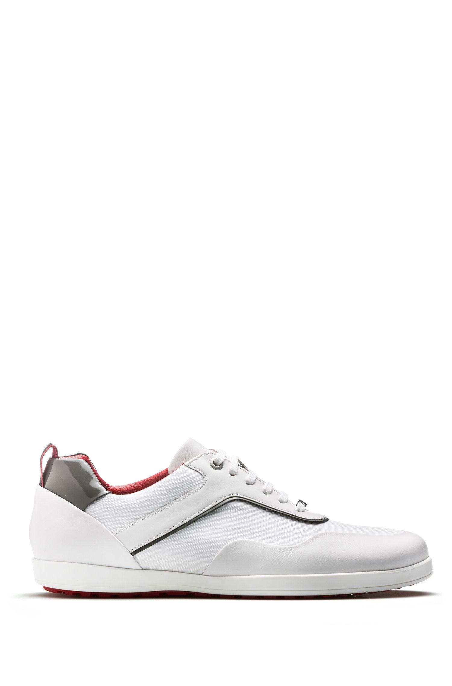 Sneakers stringate in morbida pelle