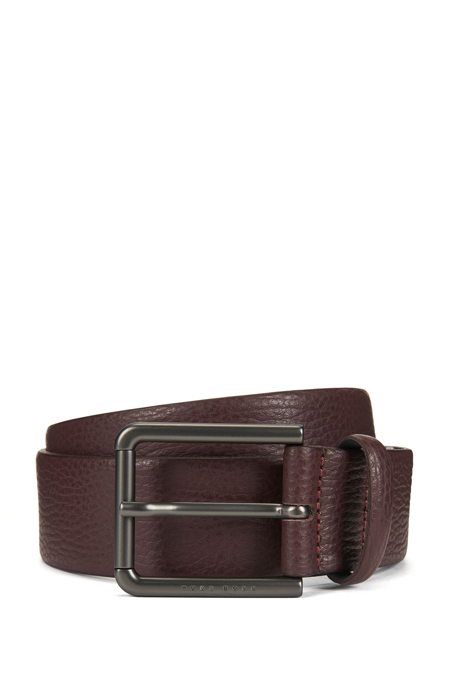 Belt in grained leather
