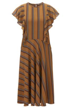 Gemustertes Kleid aus Material-Mix mit schräg geschnittenen Rüschen, Gemustert