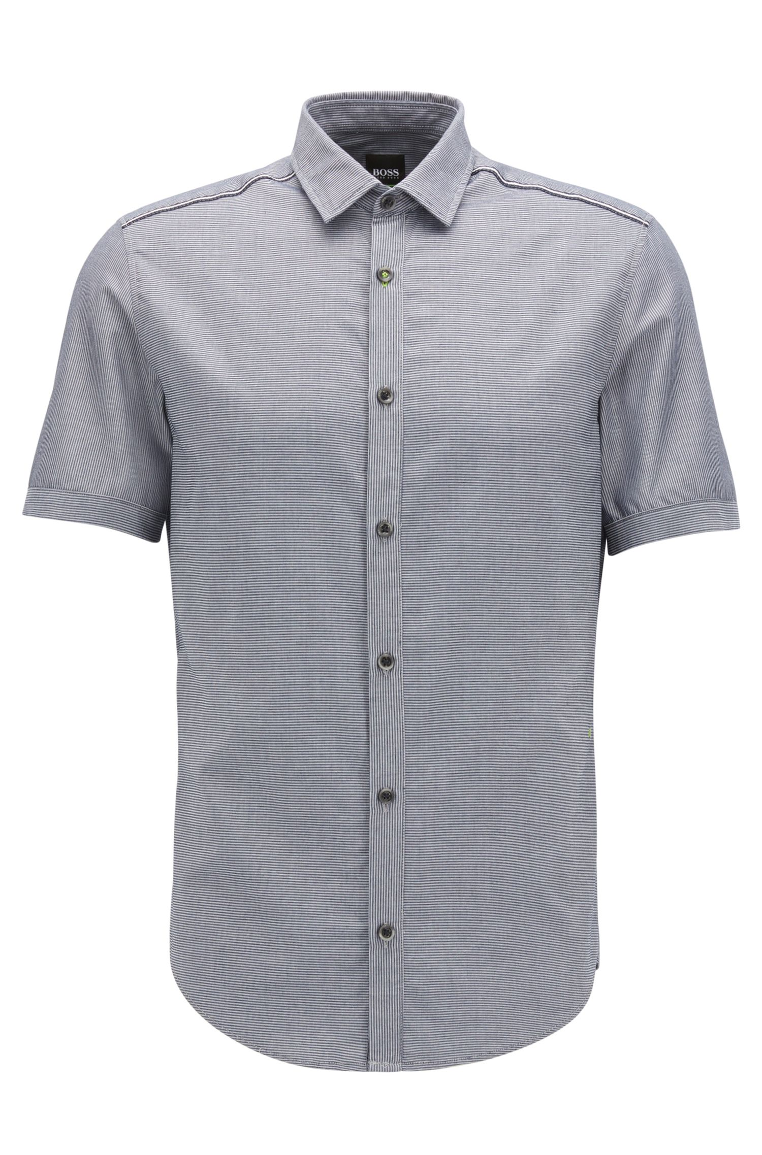 Slim-fit shirt in moisture-management cotton