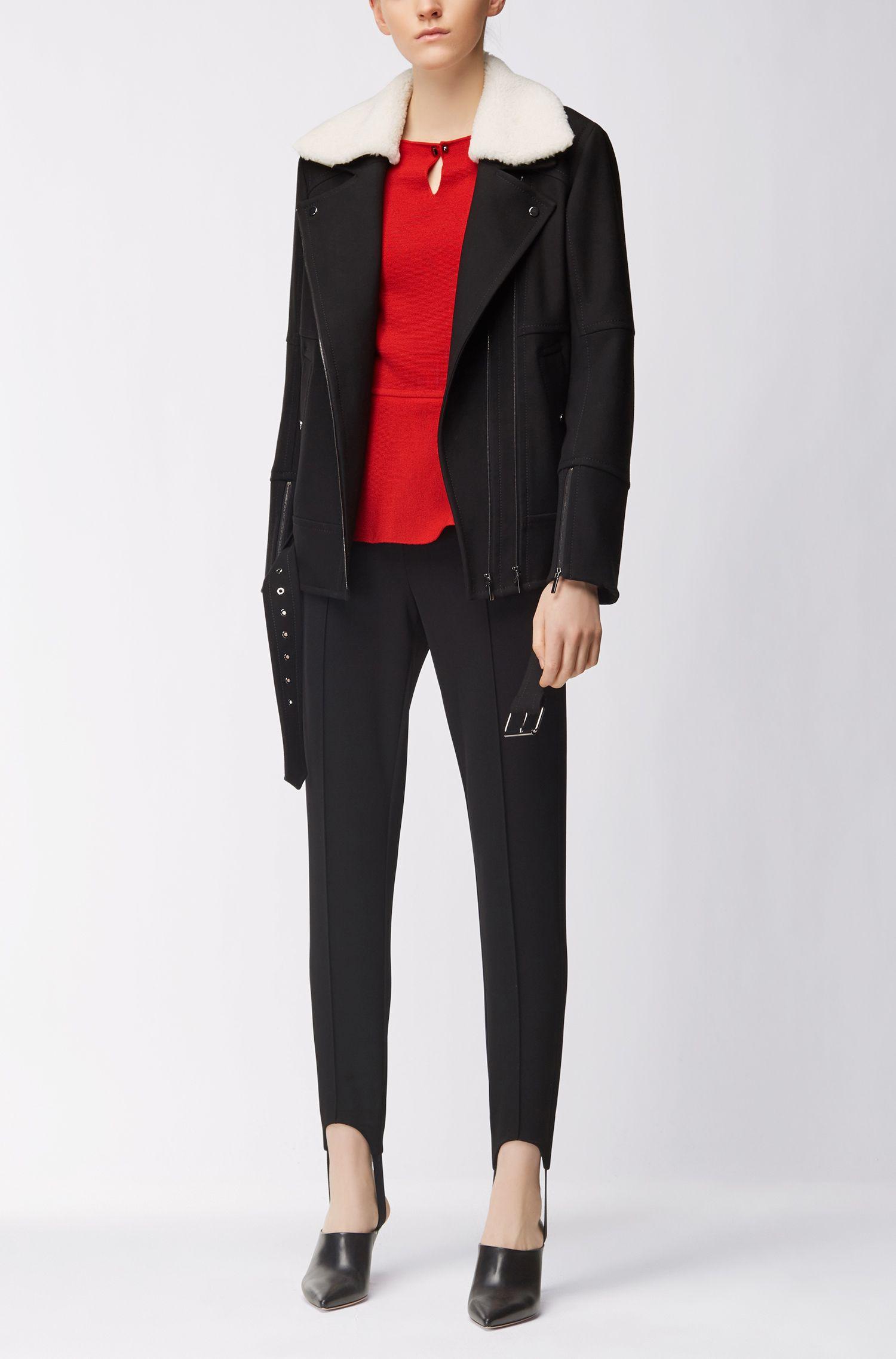 Slim-fit trui van gemerceriseerde scheerwol met peplum