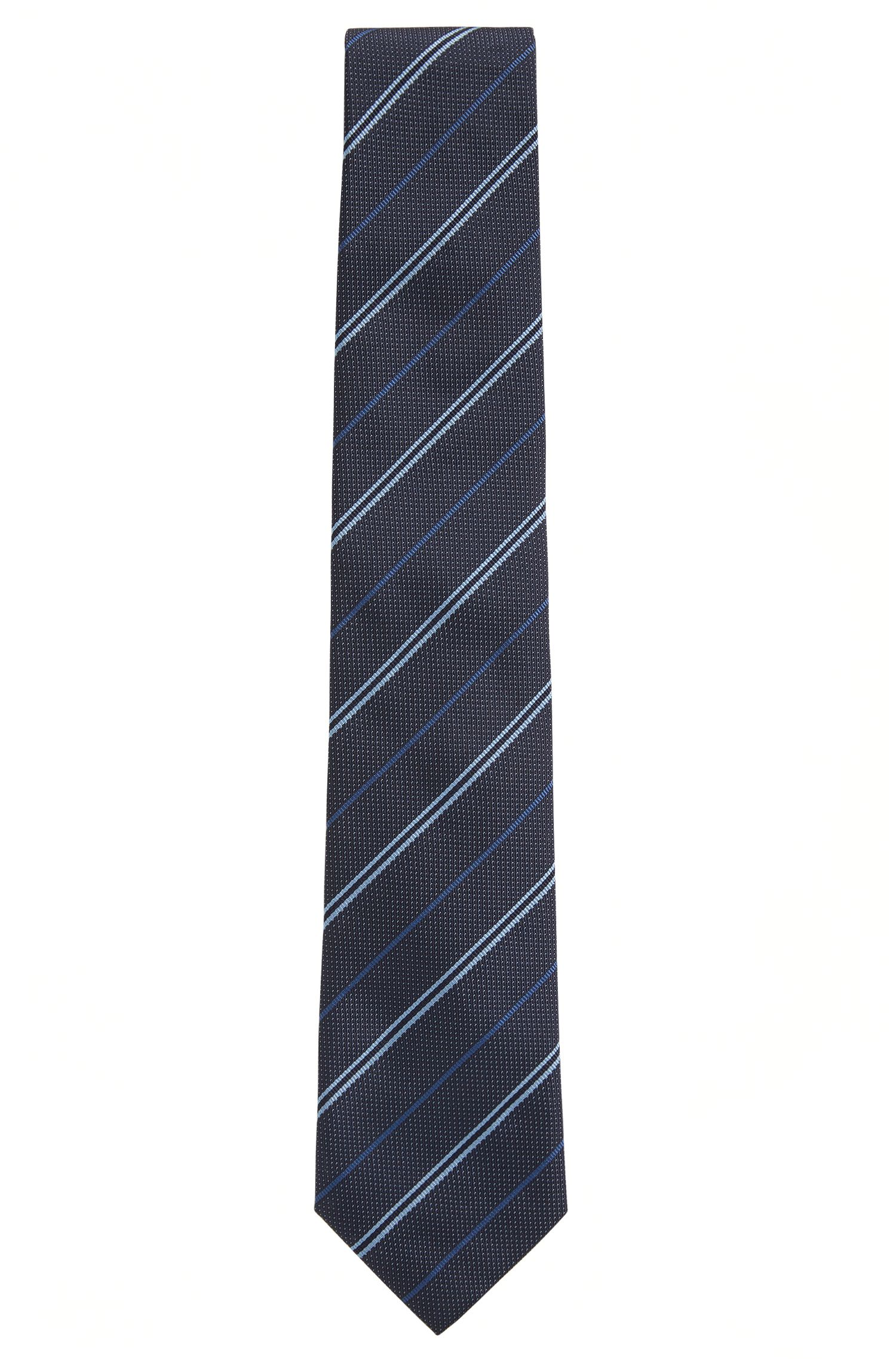 Silk tie in a diagonal striped jacquard