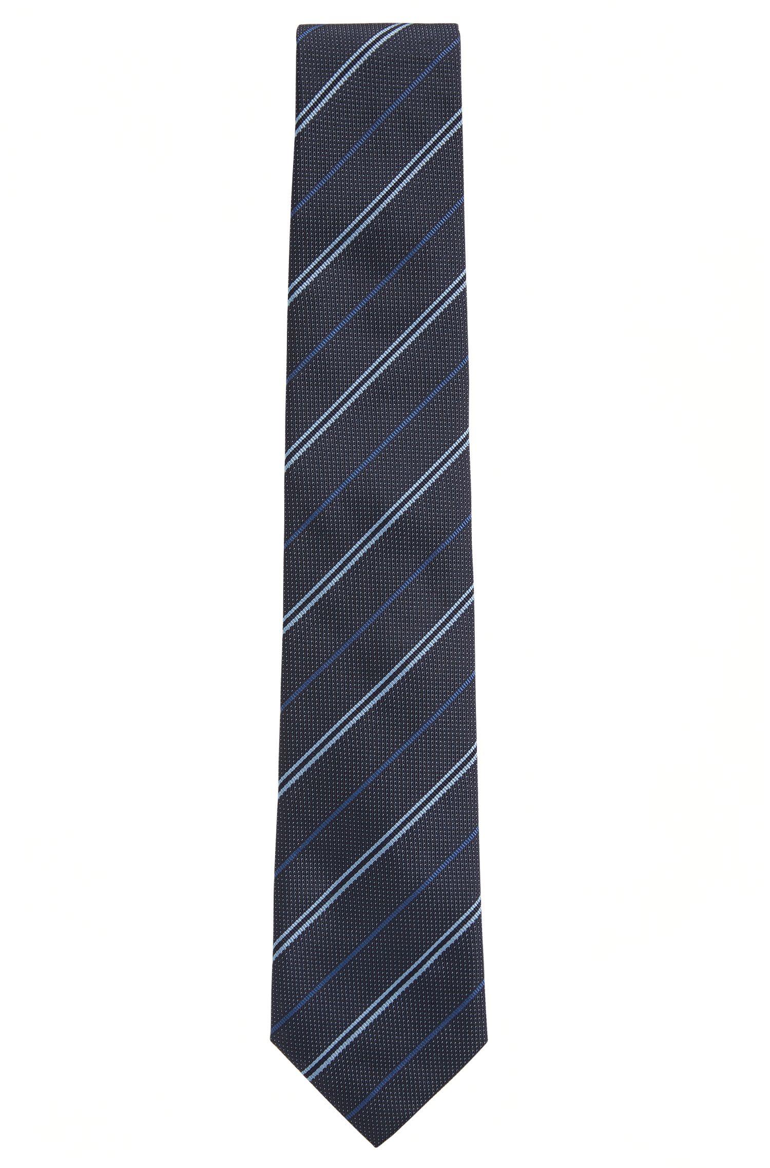 Zijden stropdas in een diagonaal gestreepte jacquard