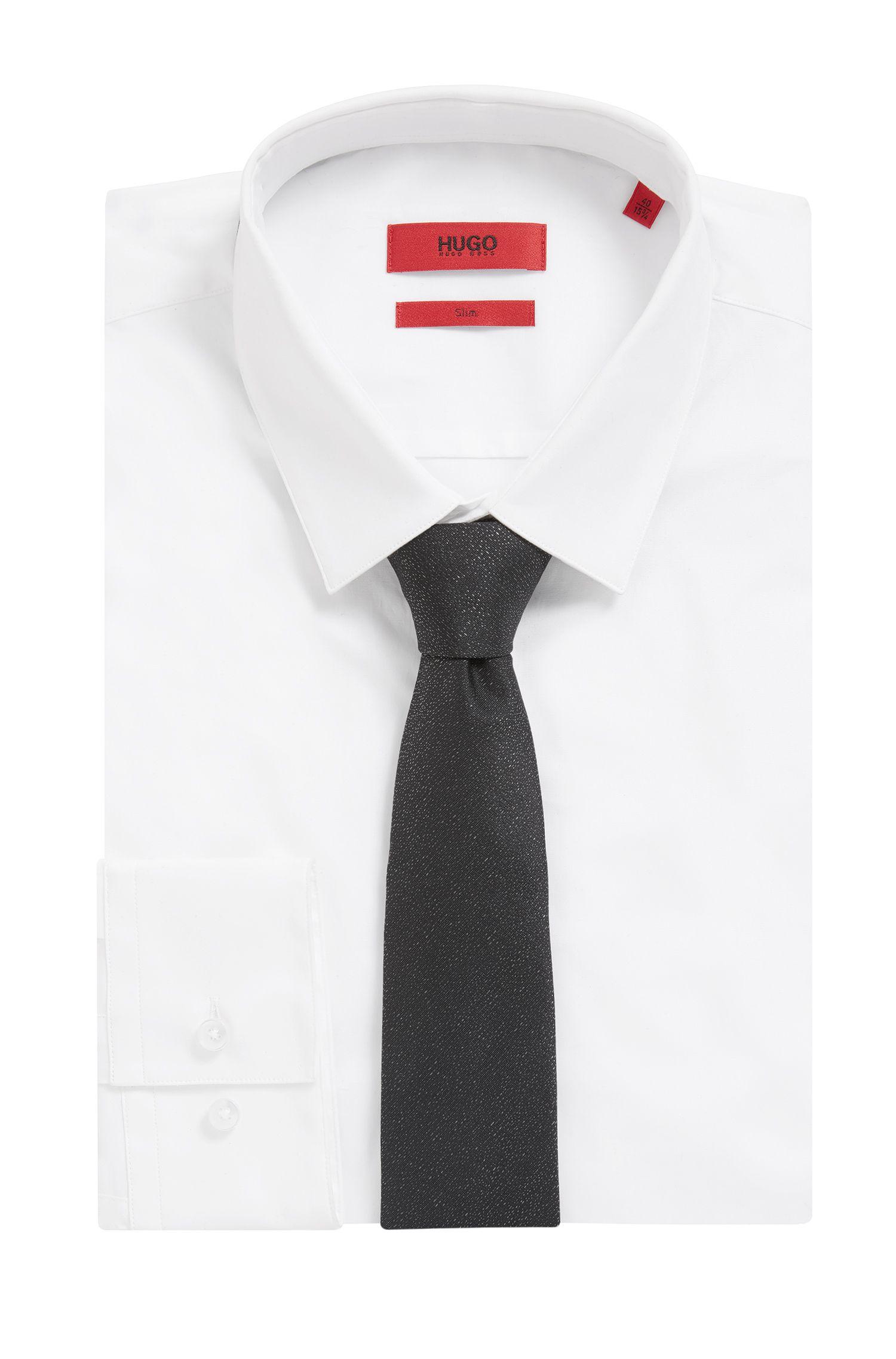 Micro-pattern tie in a silk blend
