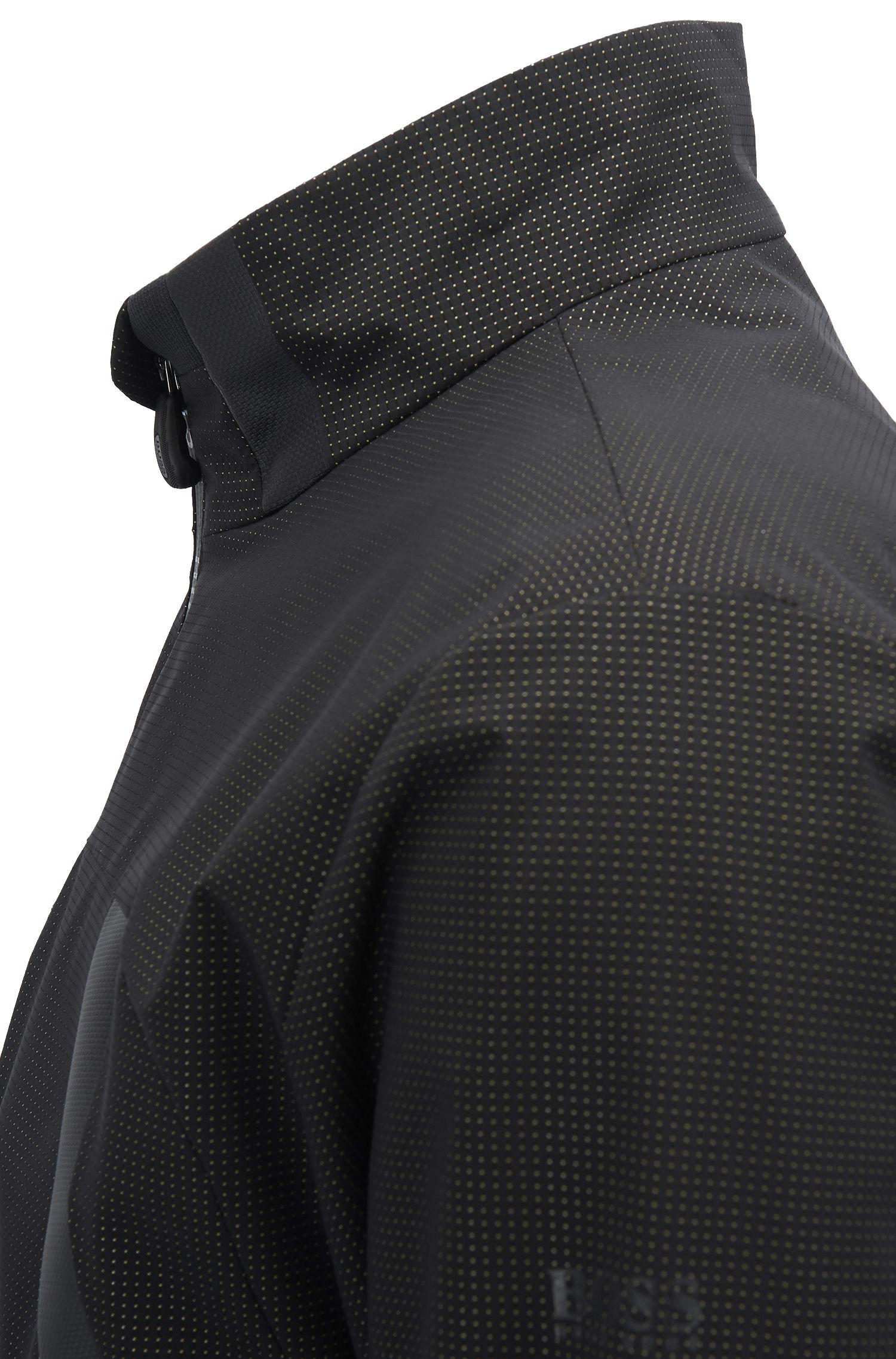 Veste performante en tissu technique imperméable