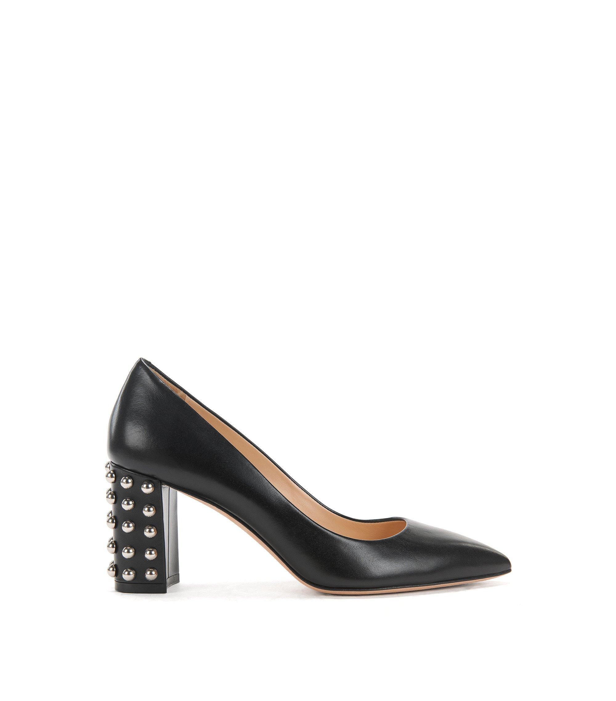 Pumps aus italienischem Leder mit Nieten-Details, Schwarz