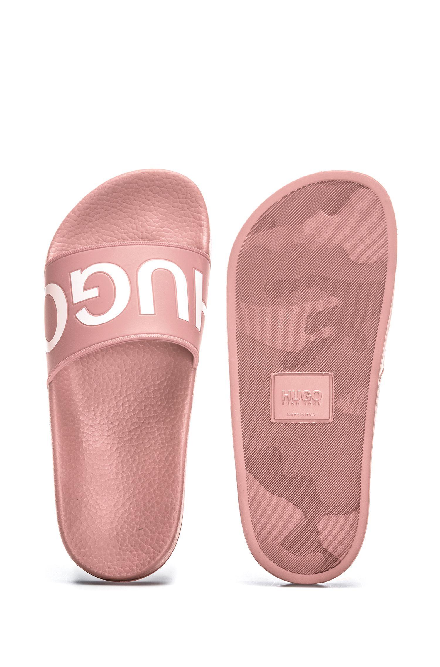 Bade-Slipper aus Material-Mix mit spiegelverkehrtem Logo, Dunkelrosa