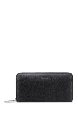 Zip-around wallet in grained leather, Black