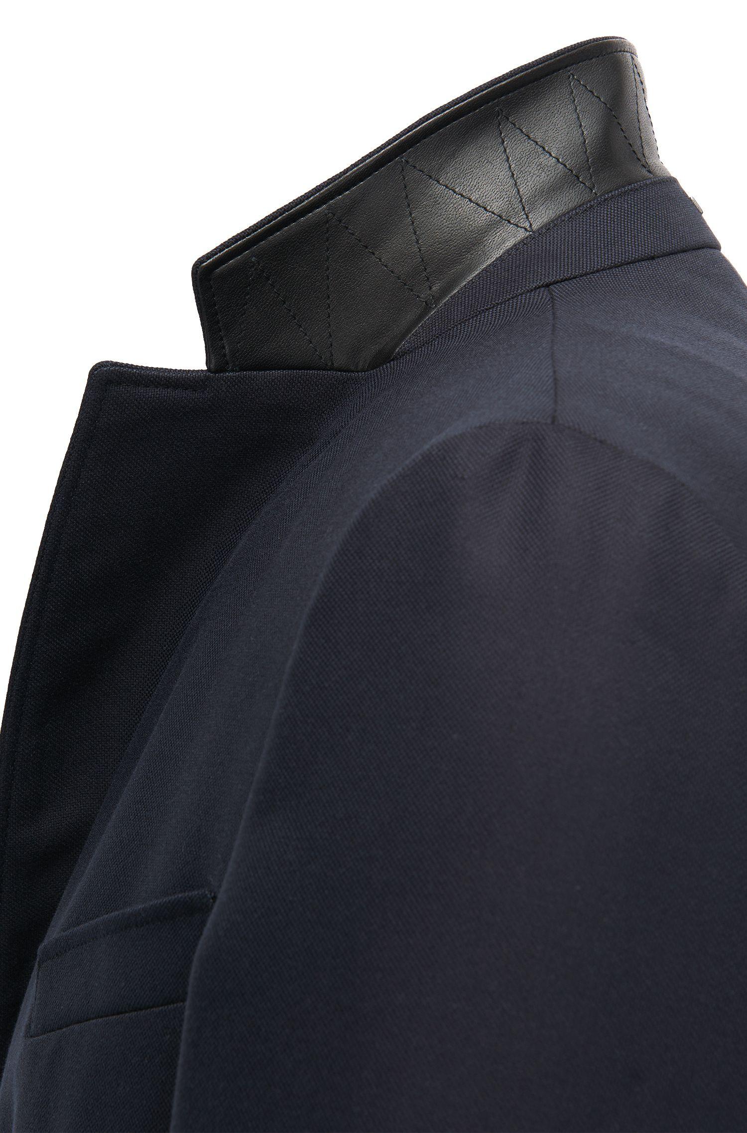 Slim-fit mantel van waterafstotend materiaal