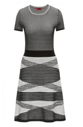 Knitted dress in a 3D waffle structure, Patterned