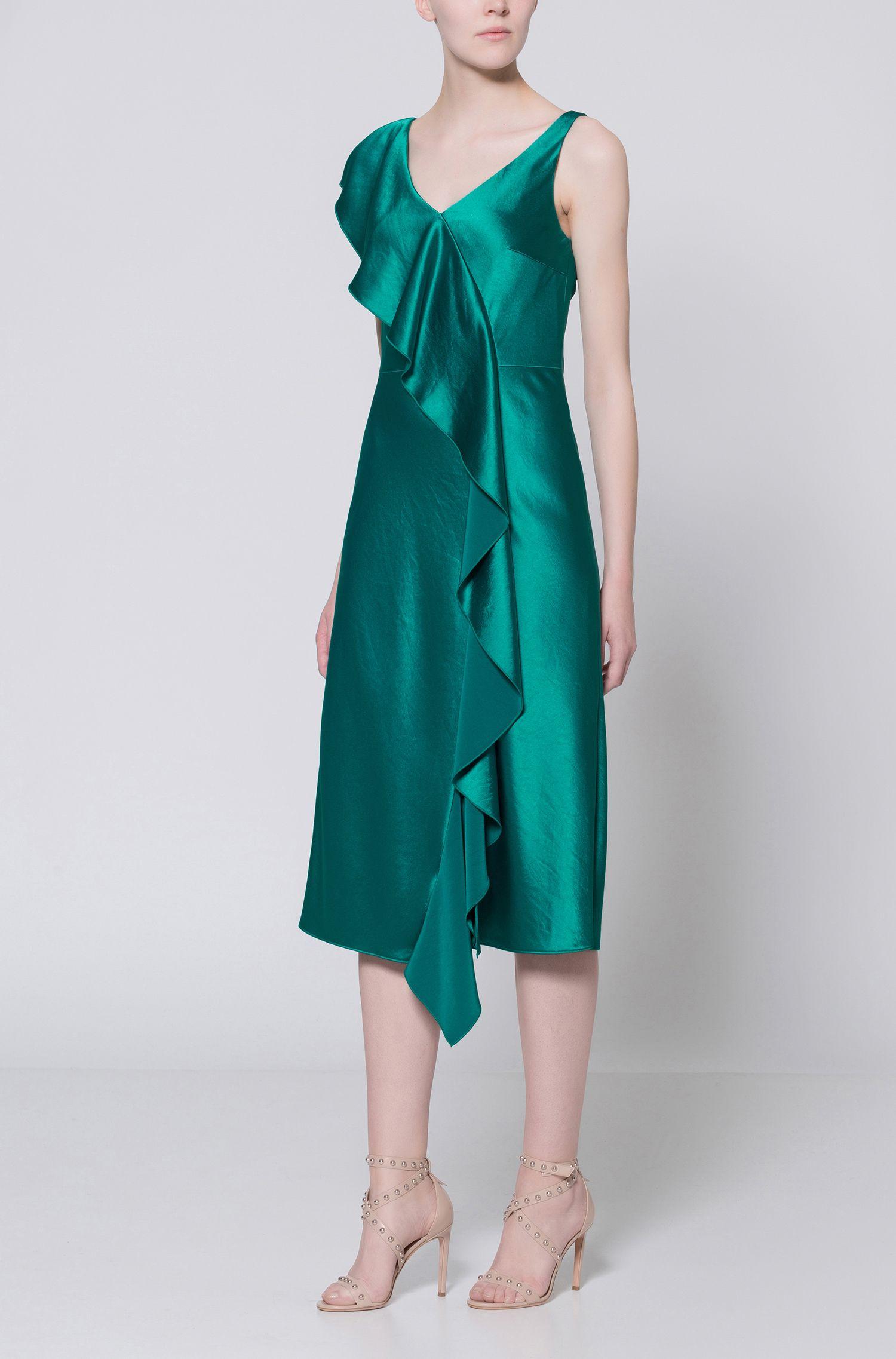 Mittellanges ärmelloses Kleid aus Material-Mix mit Wasserfall-Detail