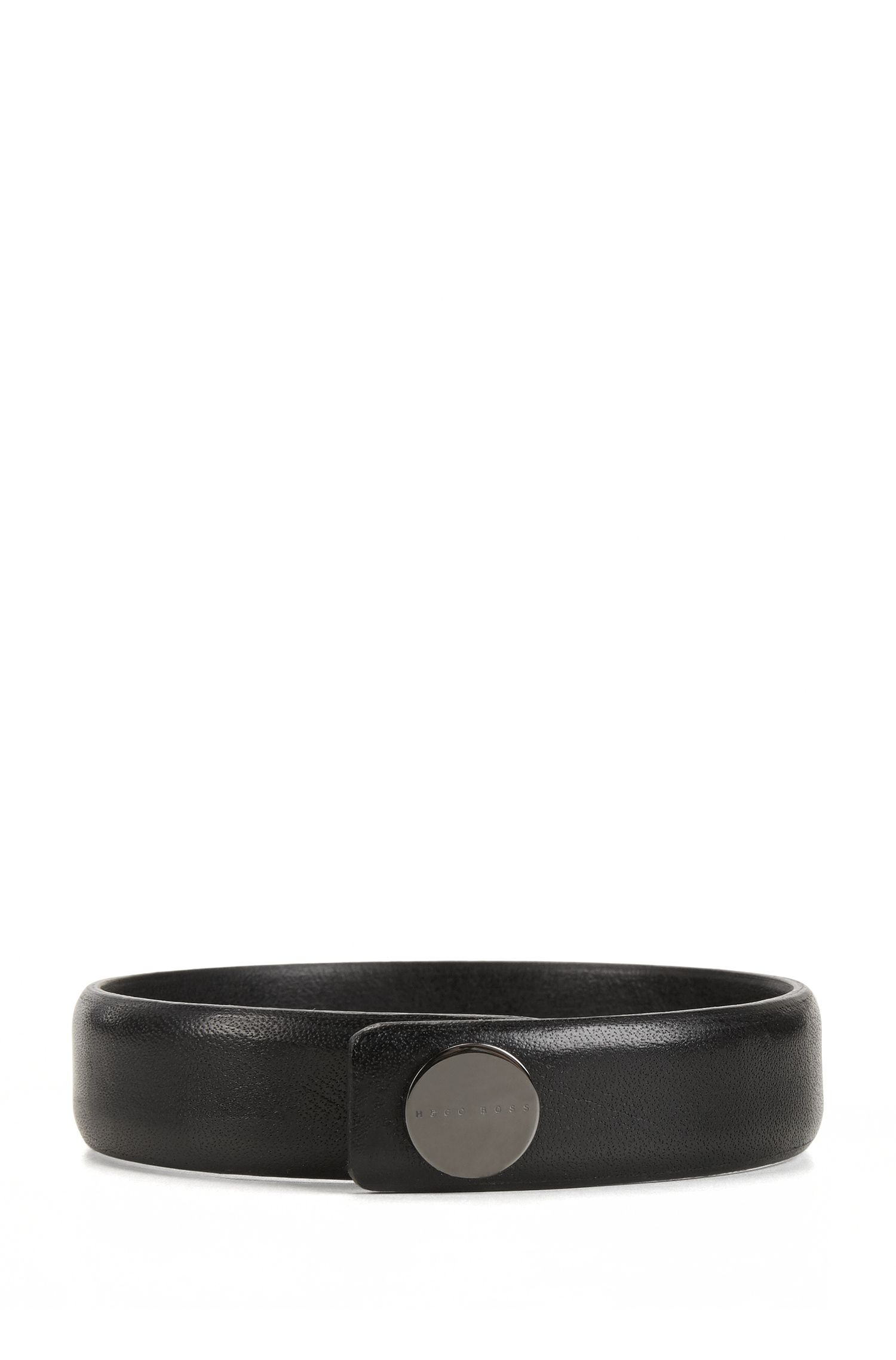 Grained leather bracelet with press-stud closure