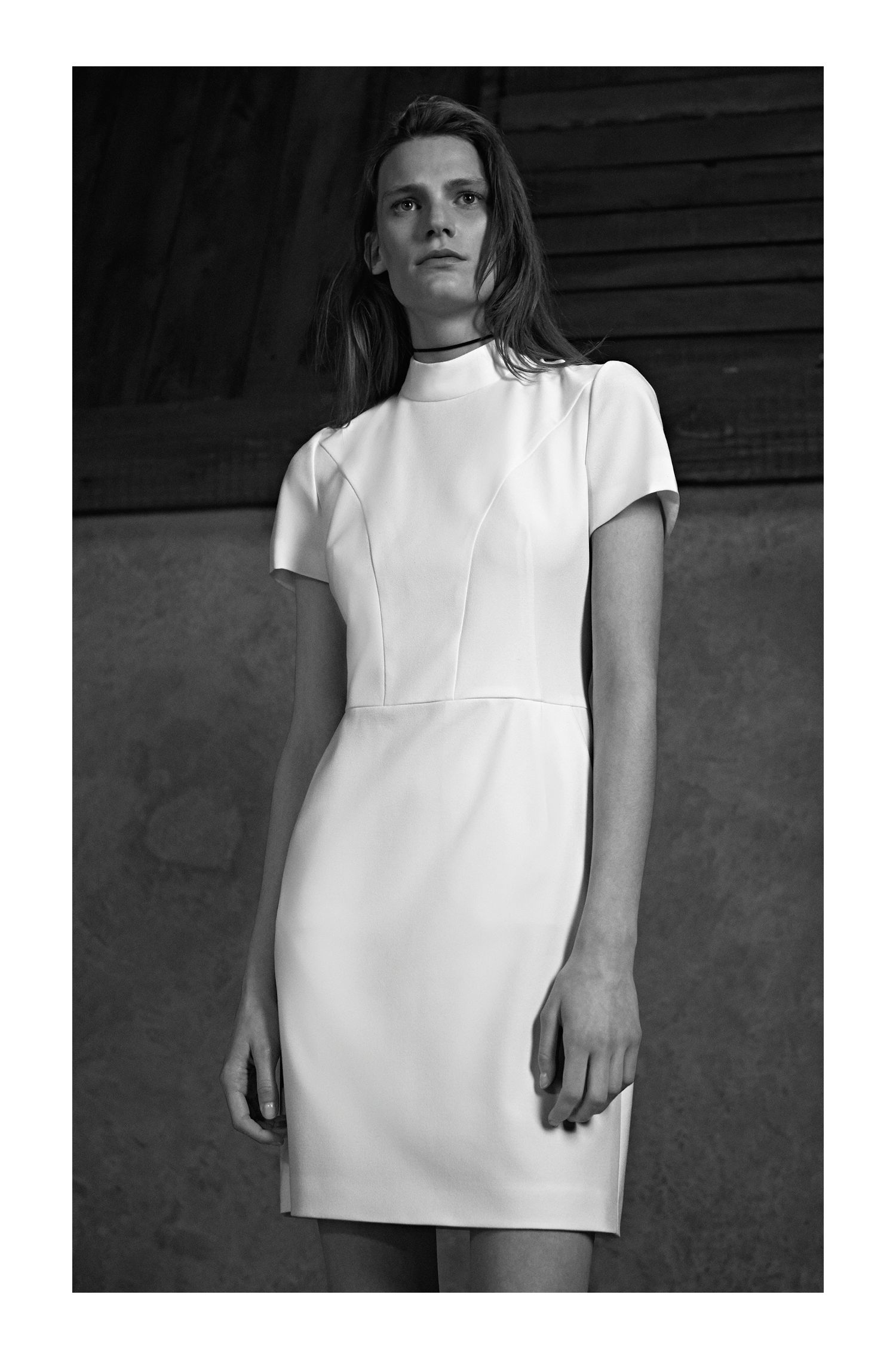 Shaped day-dress with collar in fine crepe
