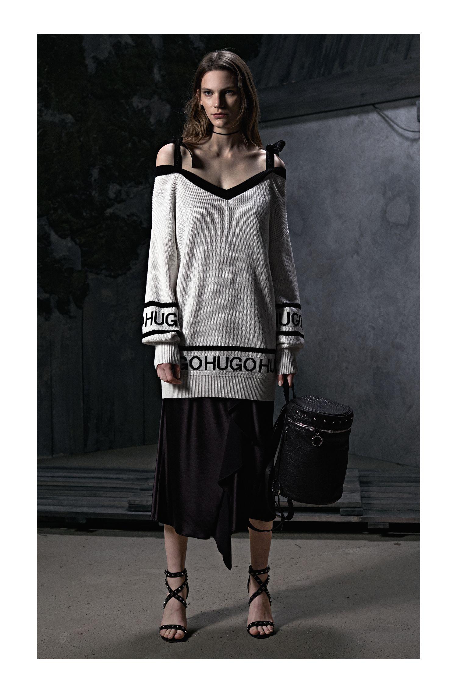 Jersey en mezcla de algodón con escote de lazo