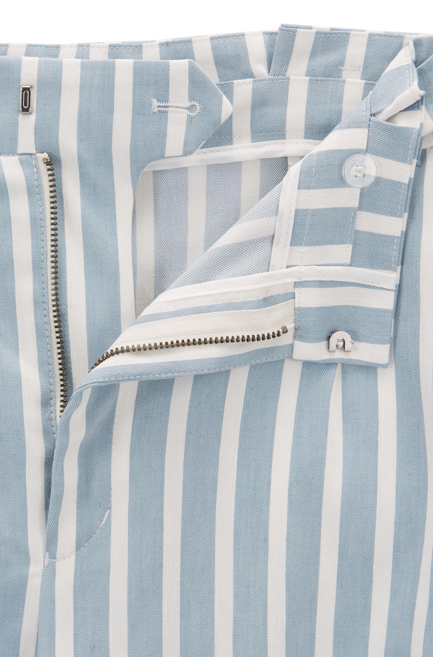 Shorts a rayas en mezcla de lino elástico con cintura plisada