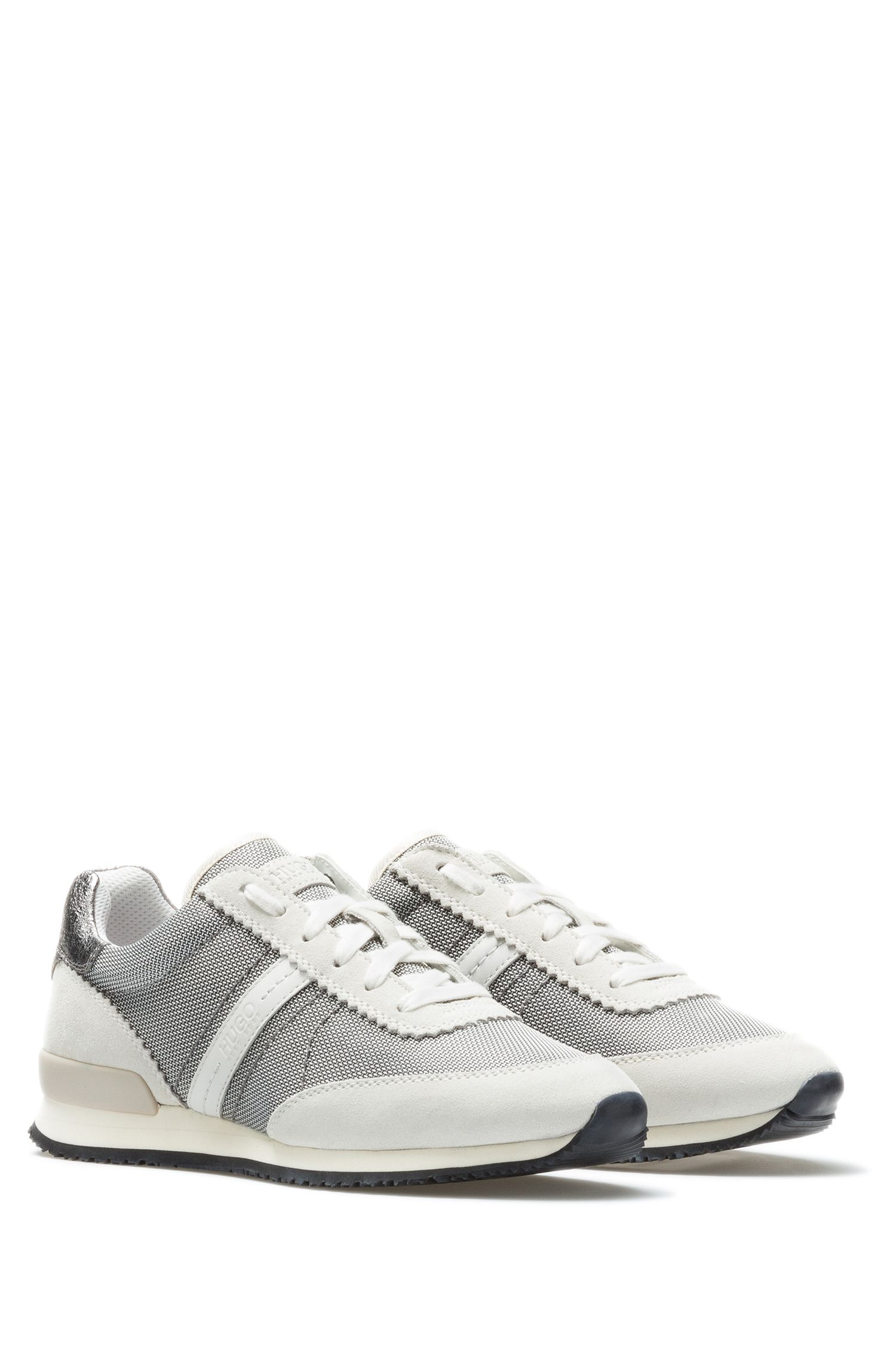 Sneakers low-top in morbida pelle scamosciata