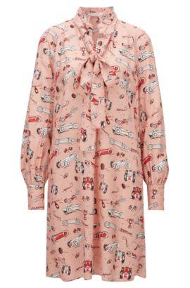 Langarm-Kleid aus Material-Mix mit Schluppe und Rennwagen-Print, Gemustert