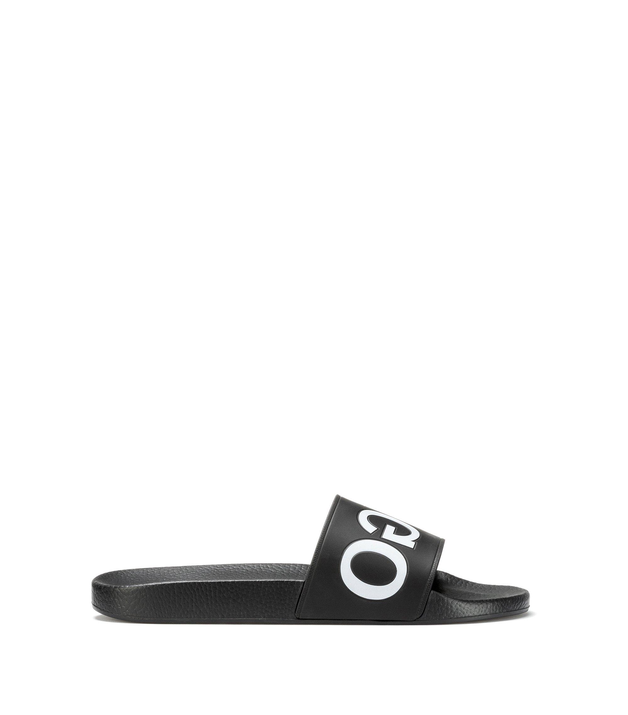 Bade-Slipper aus Material-Mix mit spiegelverkehrtem Logo, Schwarz