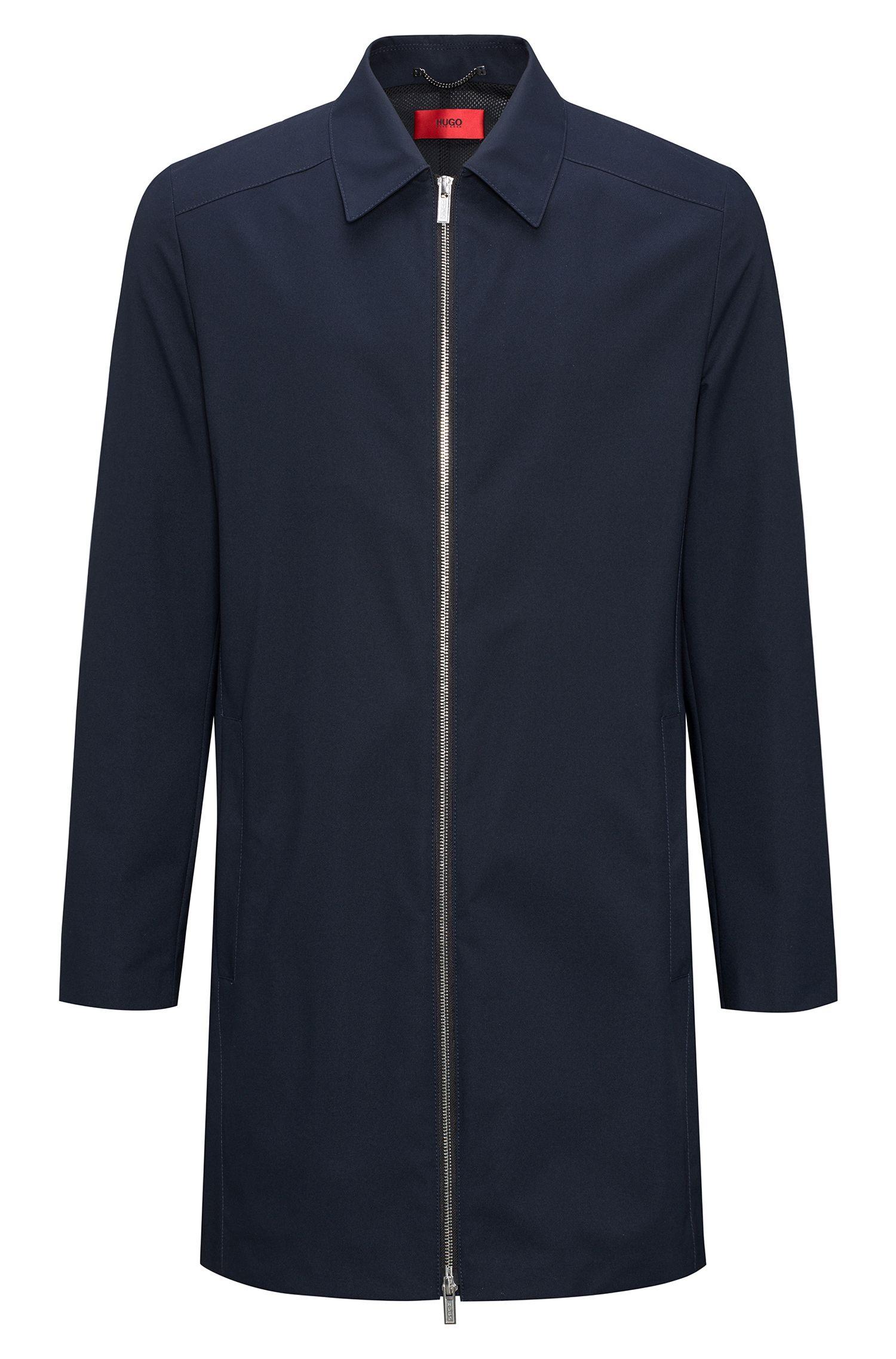 Cappotto slim fit idrorepellente con colletto a punta