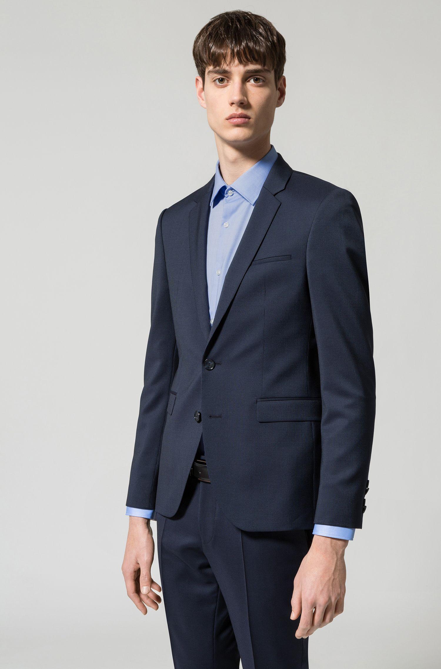 Slim-Fit Hemd aus bügelleichter Baumwolle mit kontrastfarbenen Details im Inneren