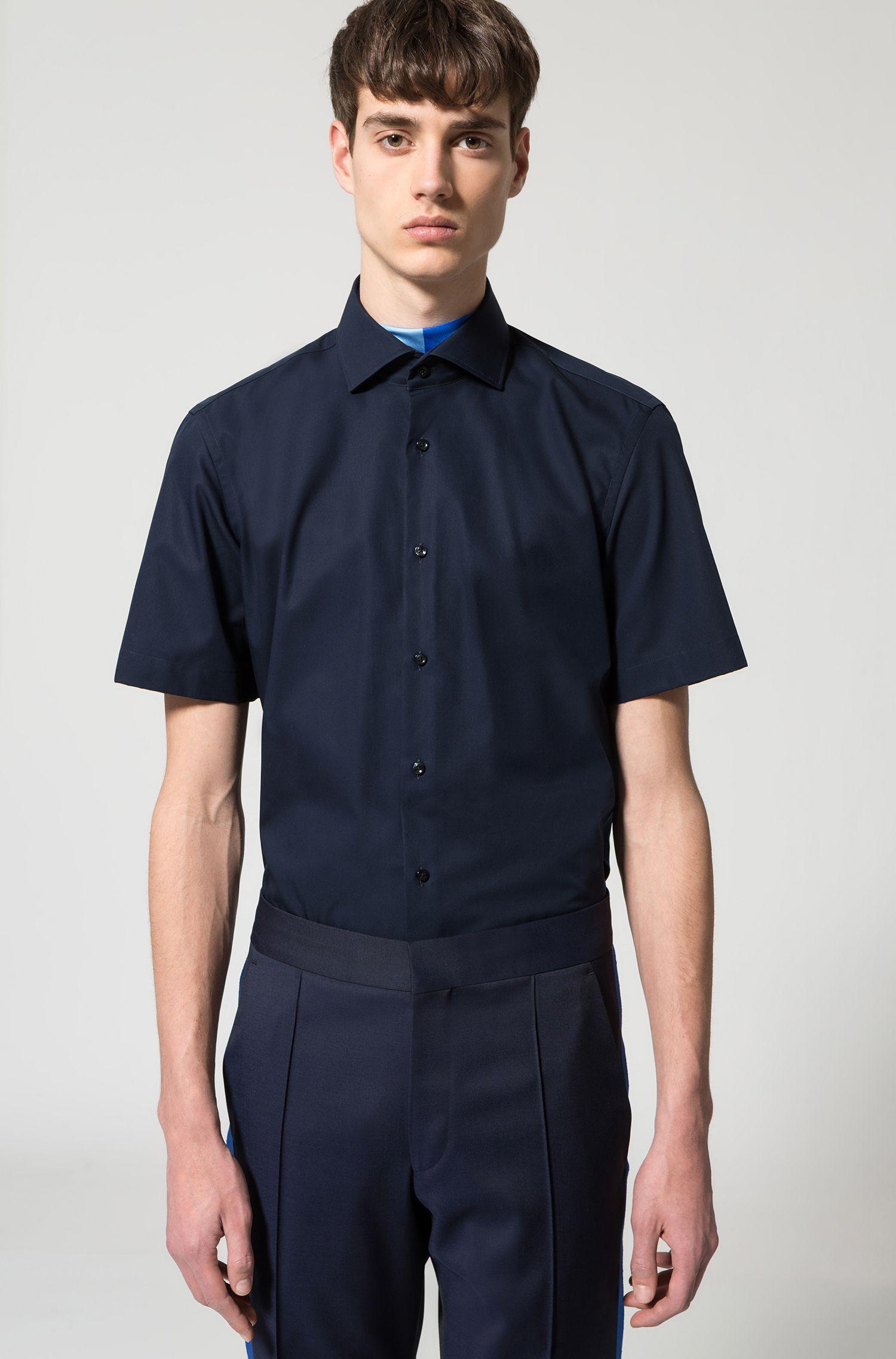 Camisa regular fit de manga corta en popelín de algodón