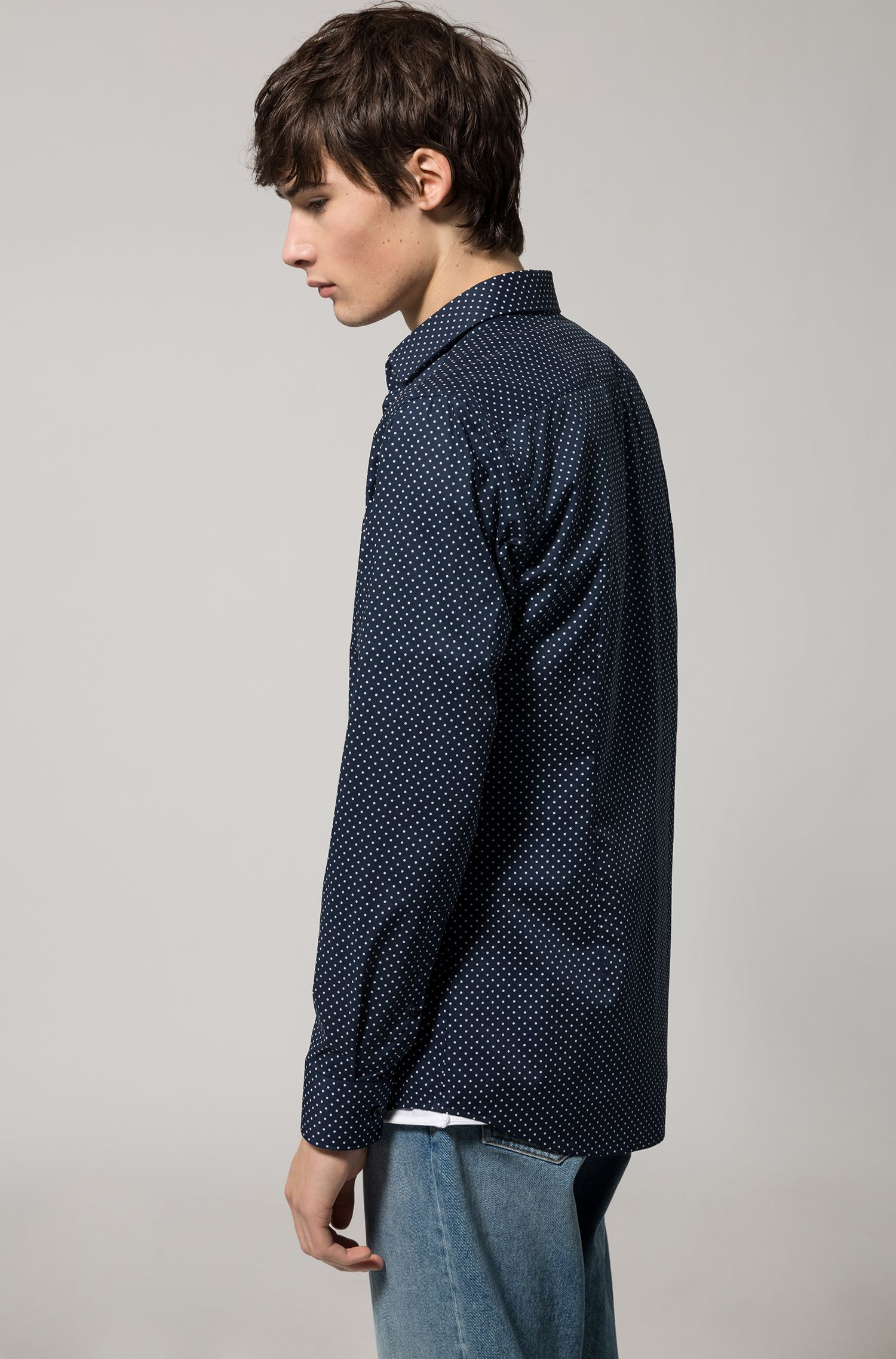 Slim-fit shirt in dot-printed cotton