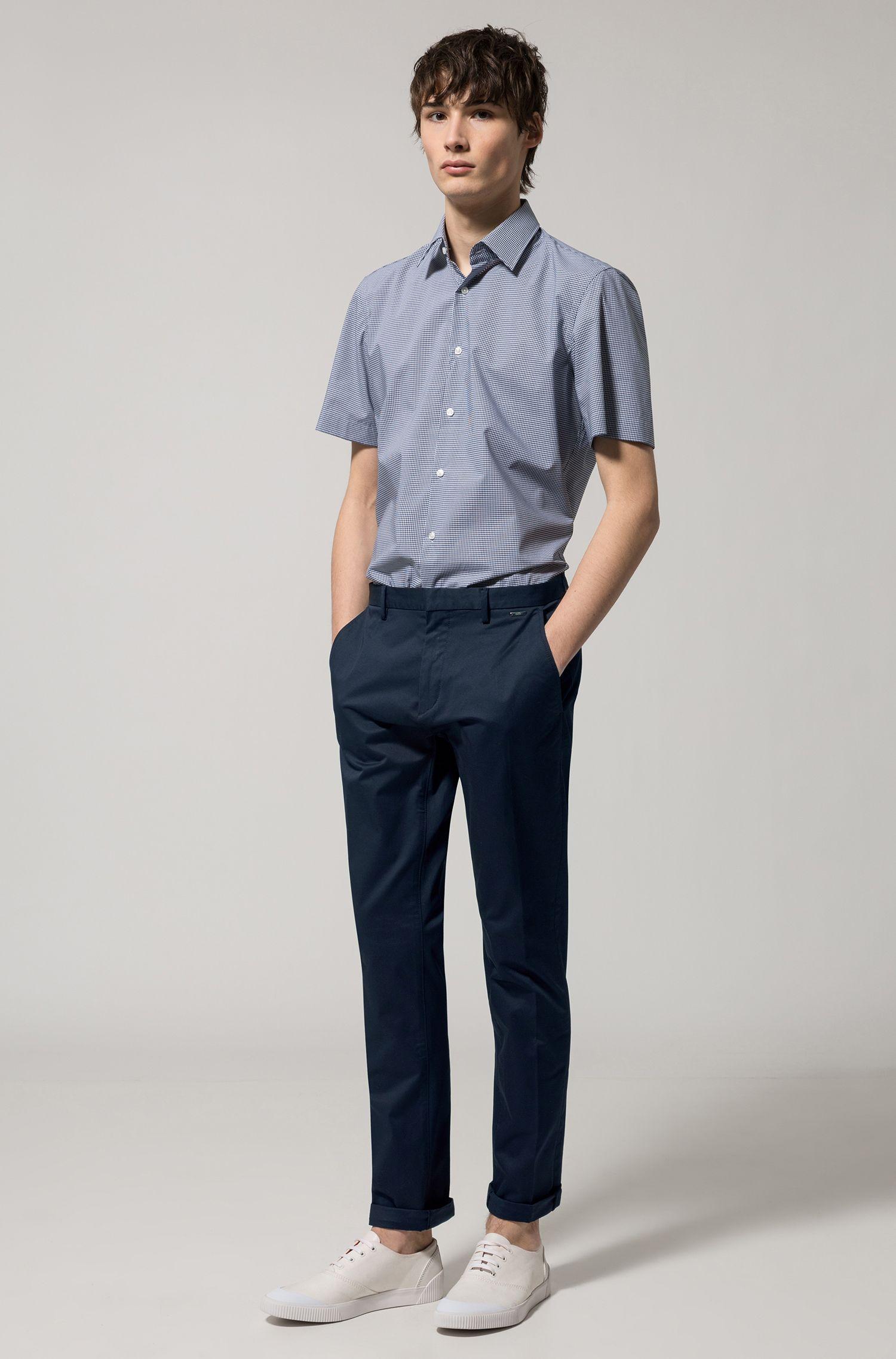 Regular-Fit Kurzarm-Hemd aus bügelleichter Baumwolle mit Karomuster