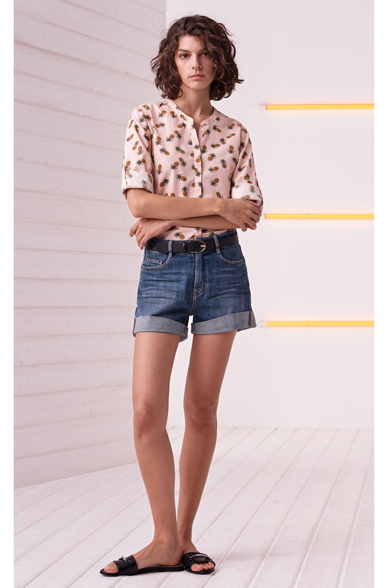 Shorts de talle alto en denim flameado elástico