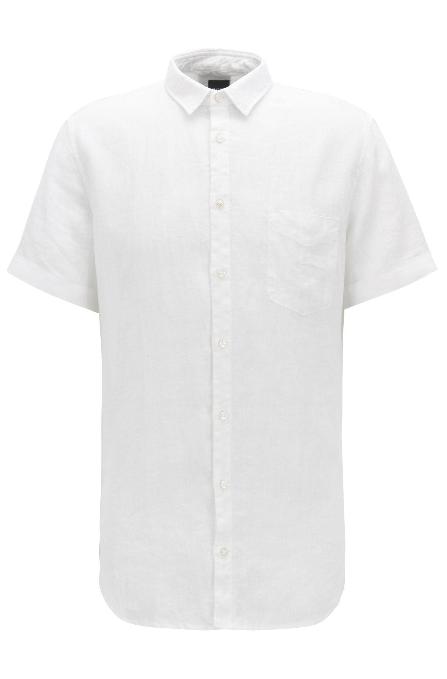 Camisa slim fit de lino teñida con pigmentos