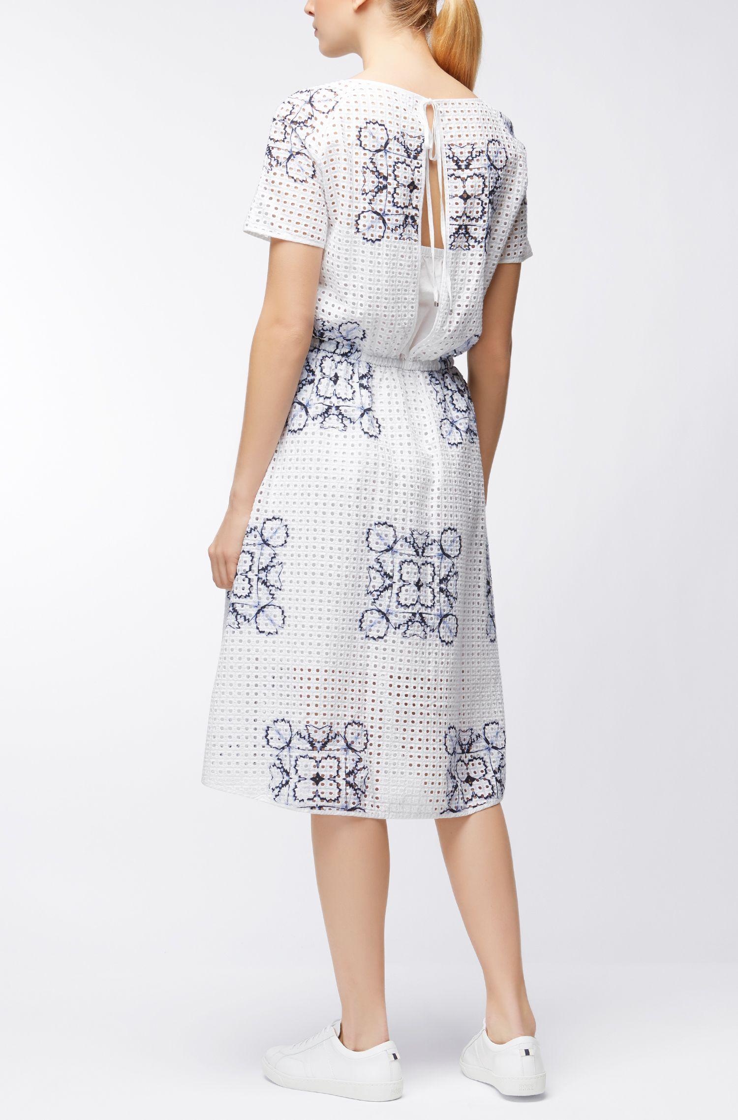 Gebloemde jurk van katoen in broderie anglaise
